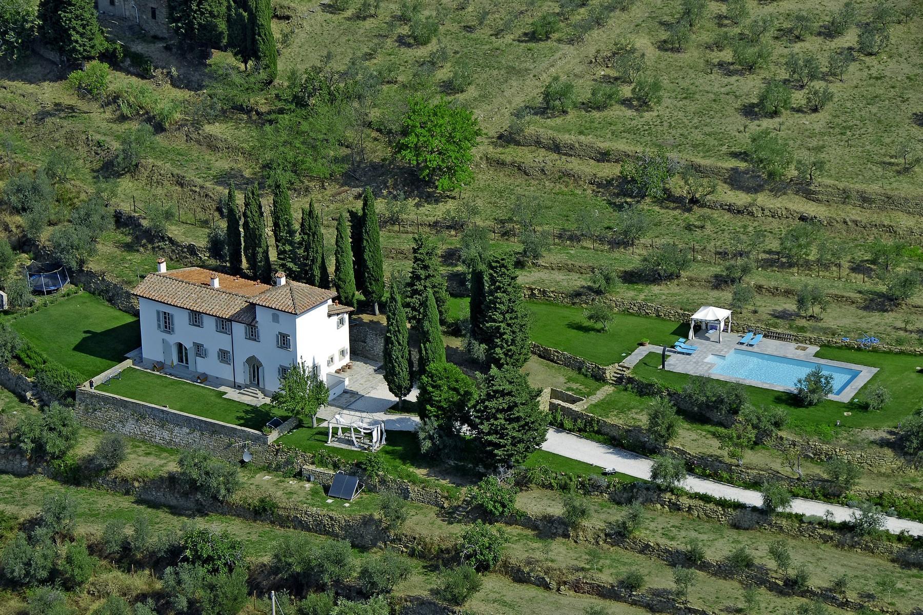 Splendida villa autentica con torretta - 1