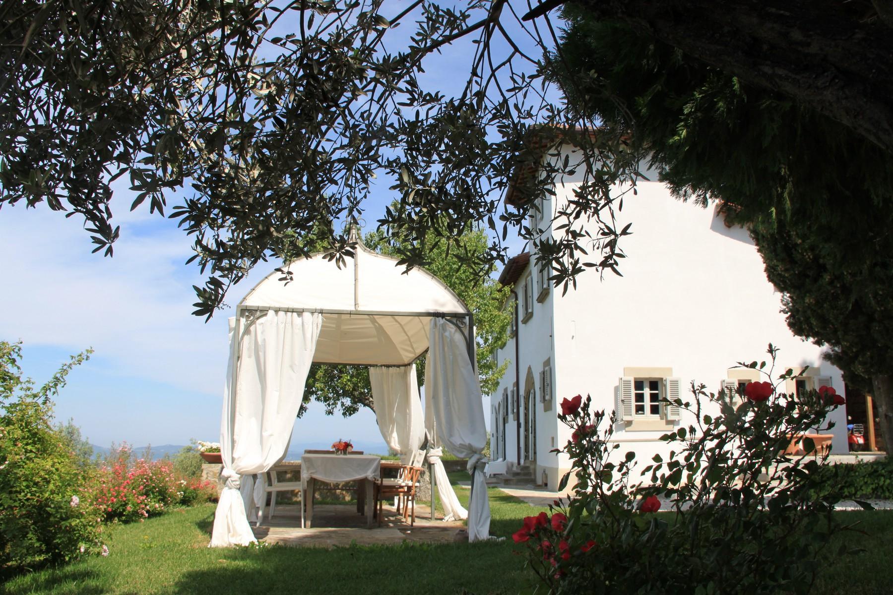 Splendida villa autentica con torretta - 14