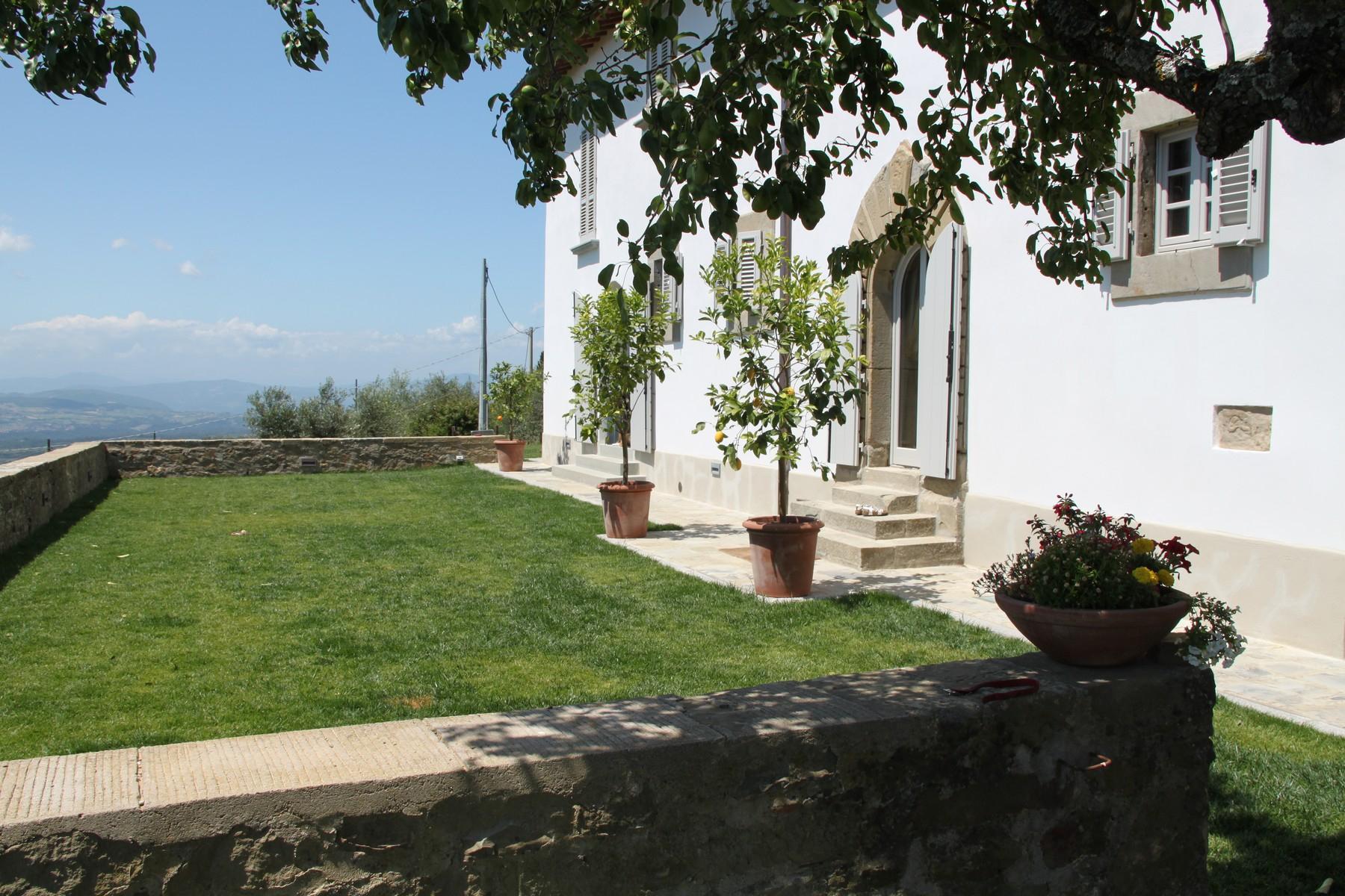 Splendida villa autentica con torretta - 20