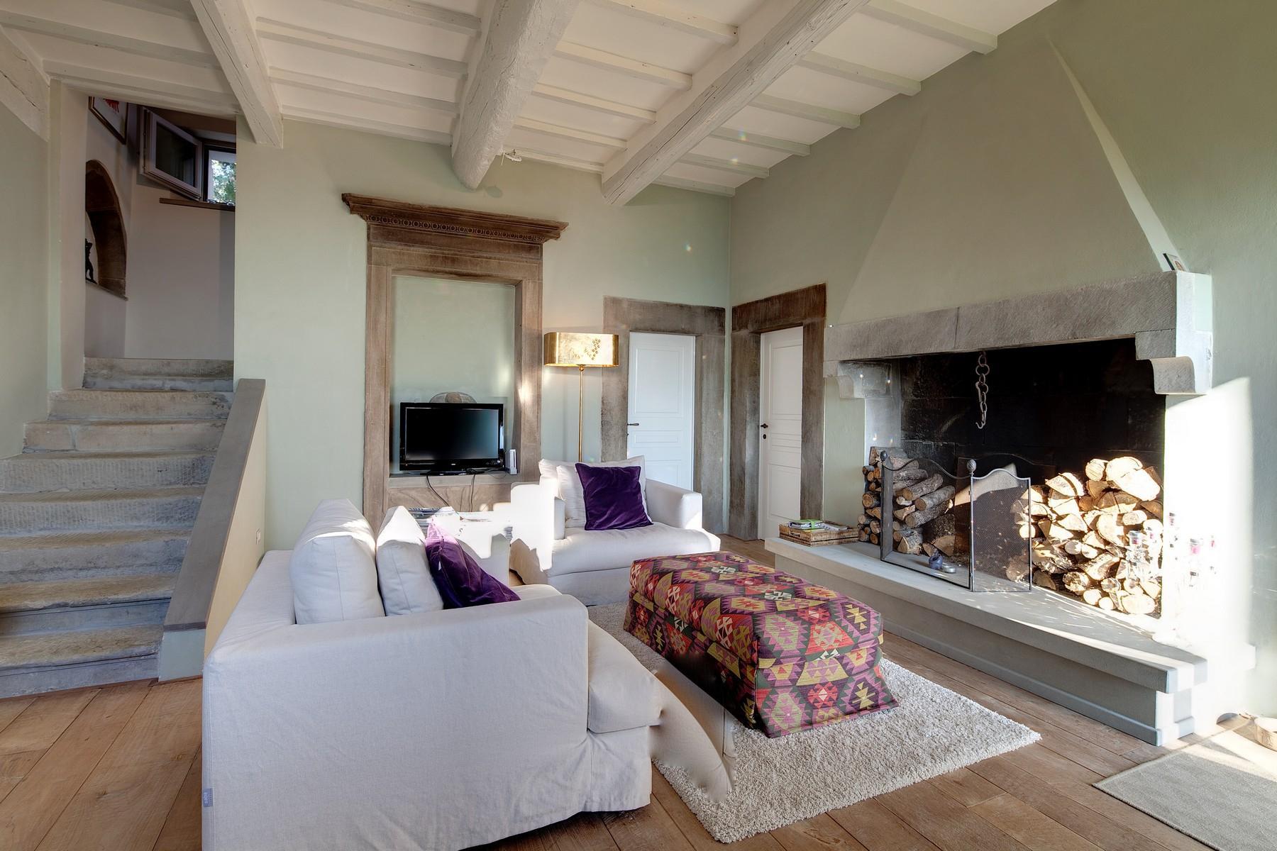 Splendida villa autentica con torretta - 3