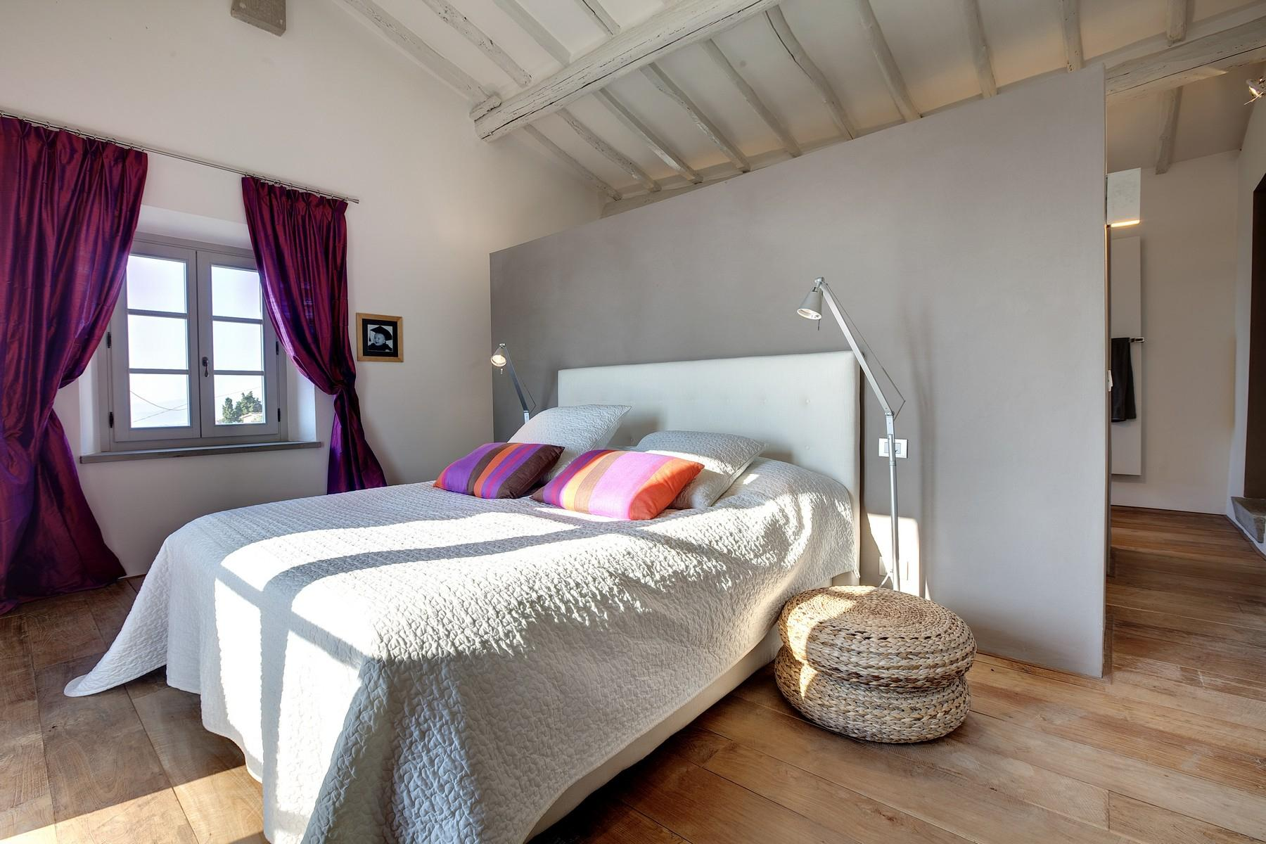 Splendida villa autentica con torretta - 10