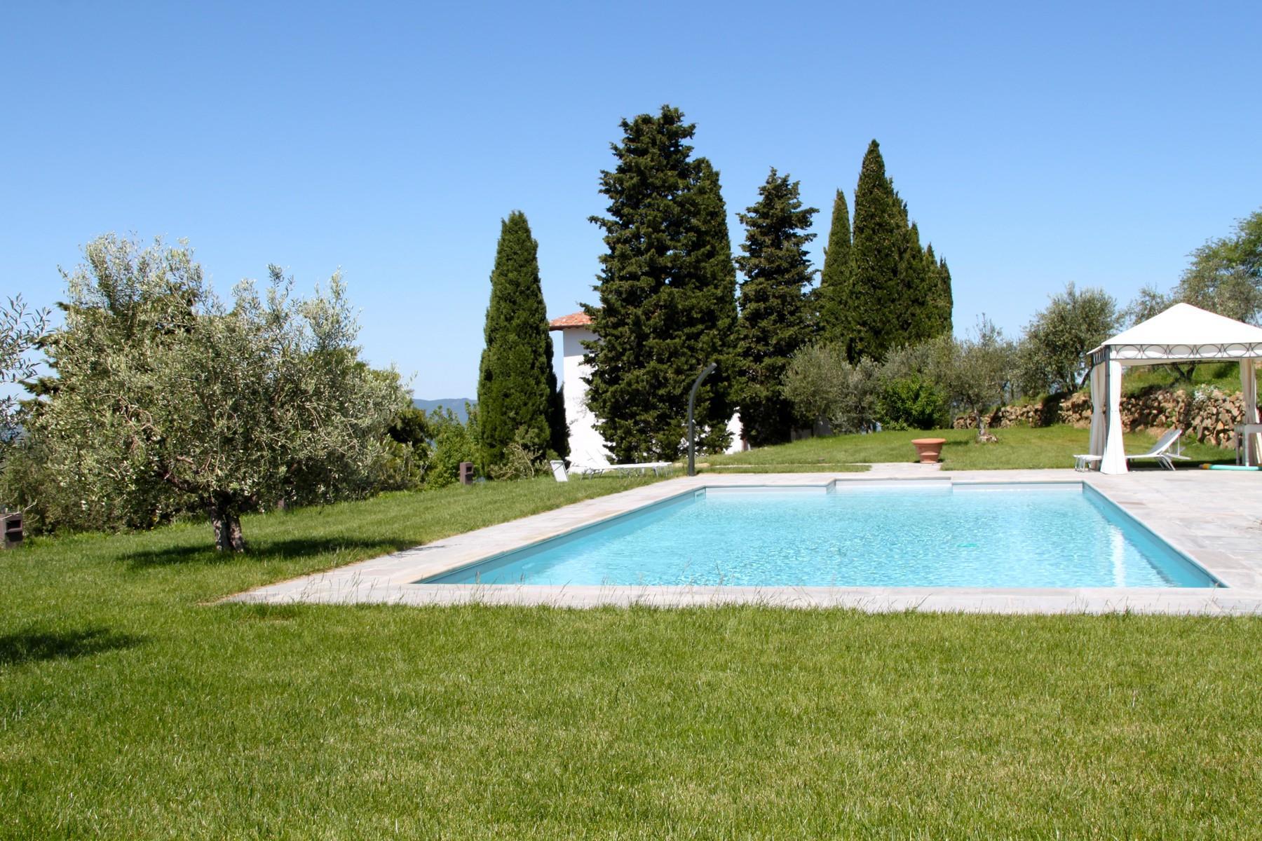 Splendida villa autentica con torretta - 15