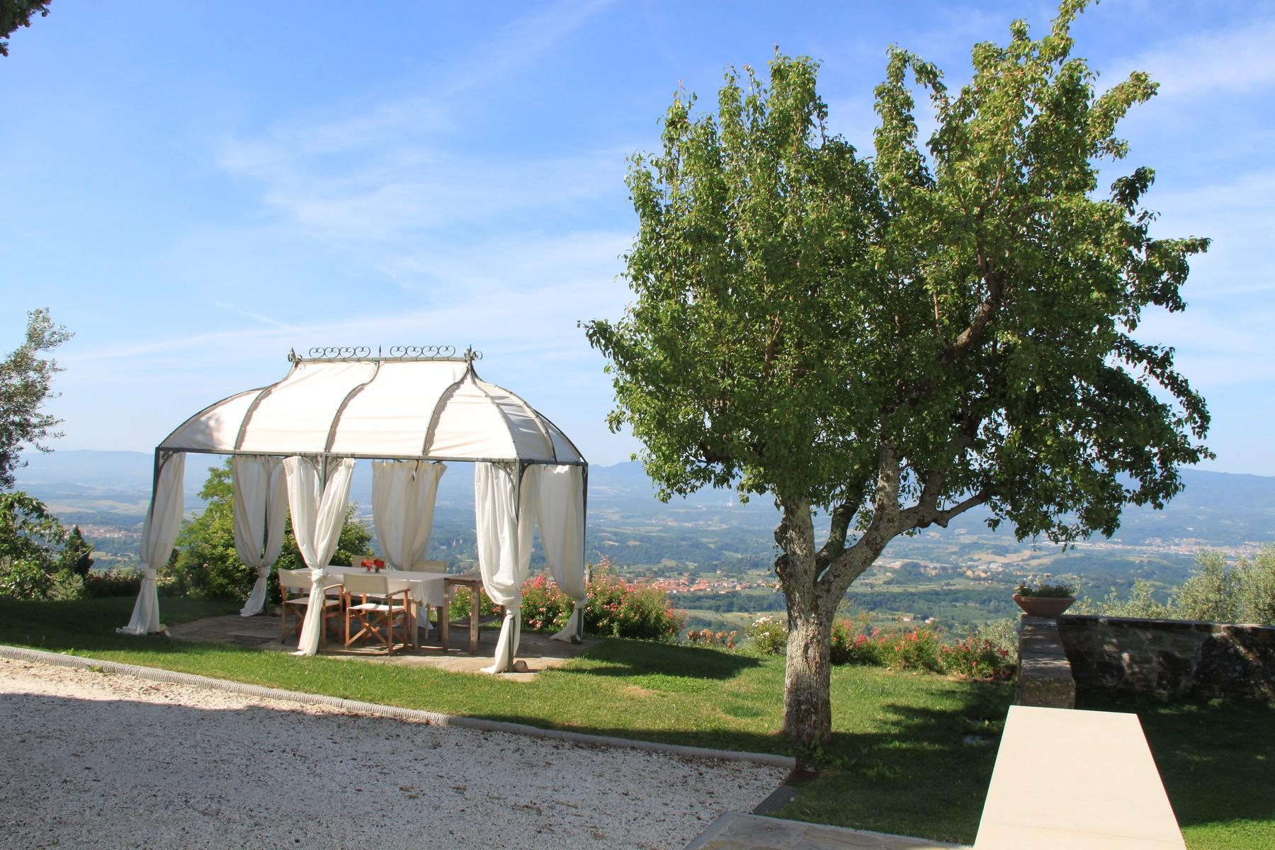 Splendida villa autentica con torretta - 19