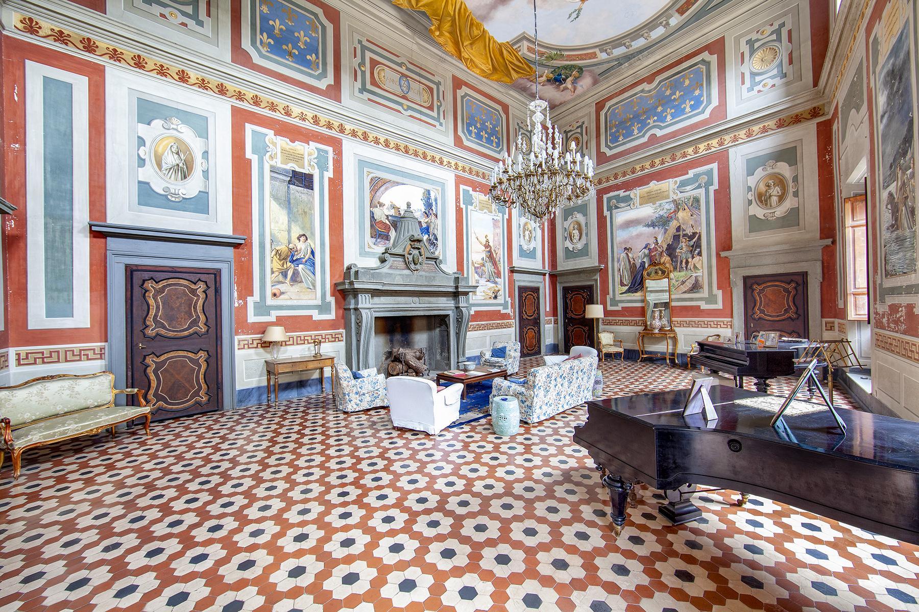 Прекрасный дворец в стиле Ренессанса - 1