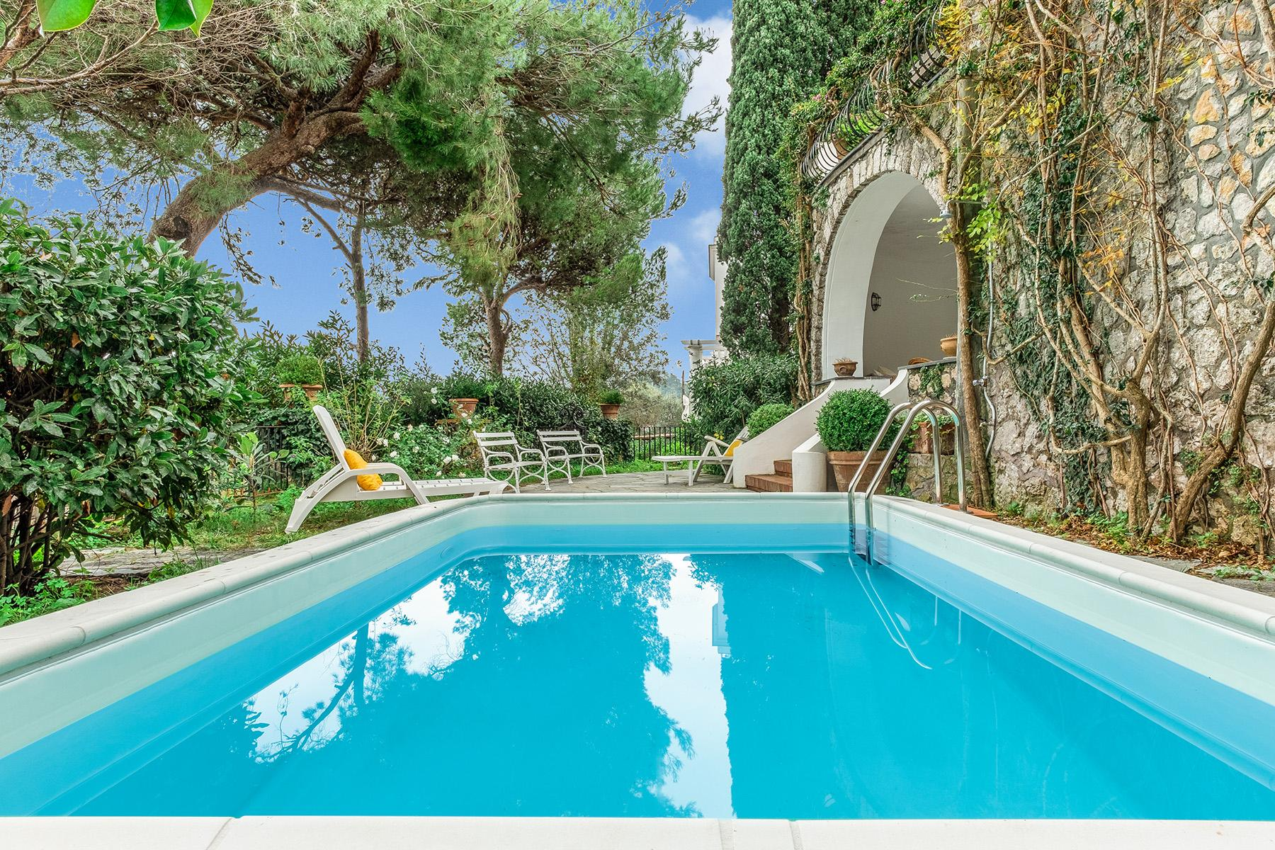 Stunning villa with swimming pool a few steps from the Capri Center - 12