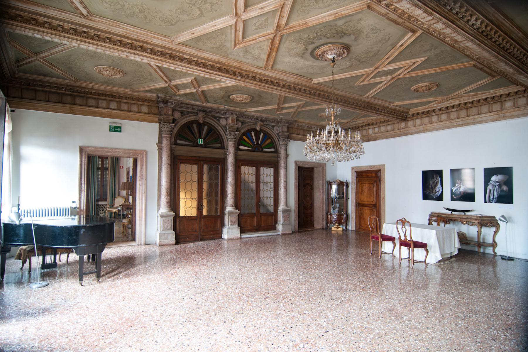 16th Century Palazzetto with permissions for a 23 bedroom hotel - 3