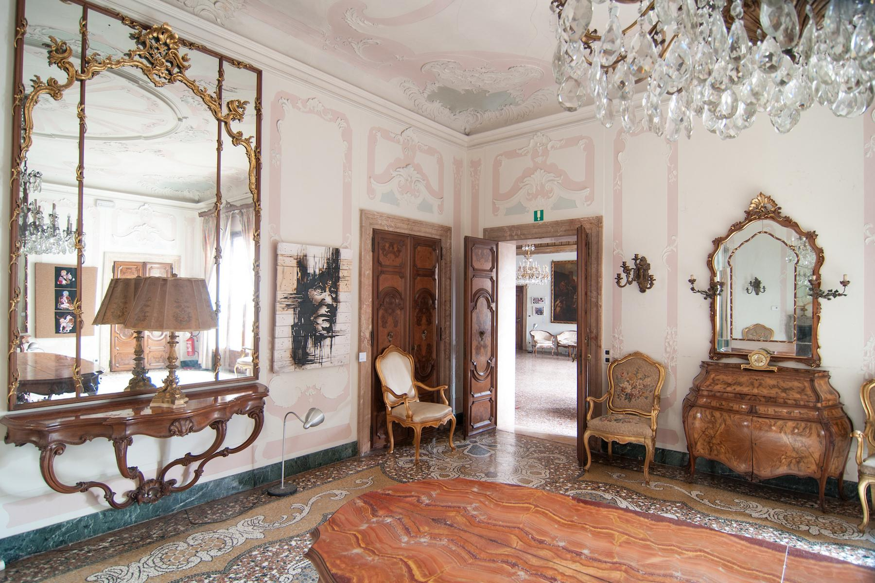 16th Century Palazzetto with permissions for a 23 bedroom hotel - 4