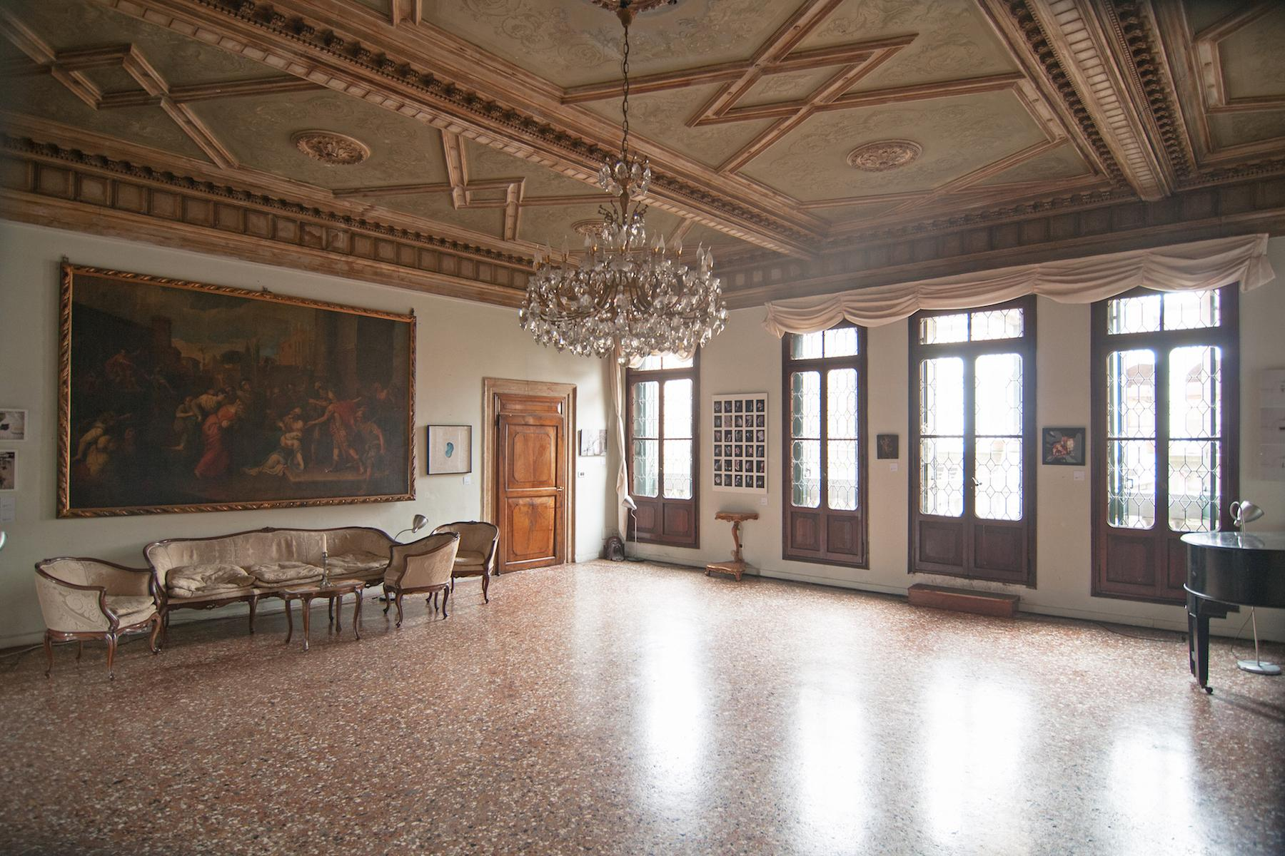 16th Century Palazzetto with permissions for a 23 bedroom hotel - 8
