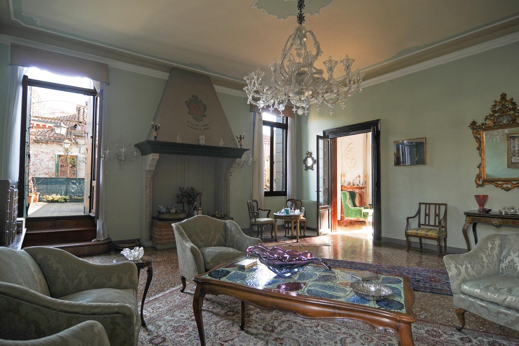Elegante Piano Nobile con terrazzo a San Giacomo dell'Orio - 2