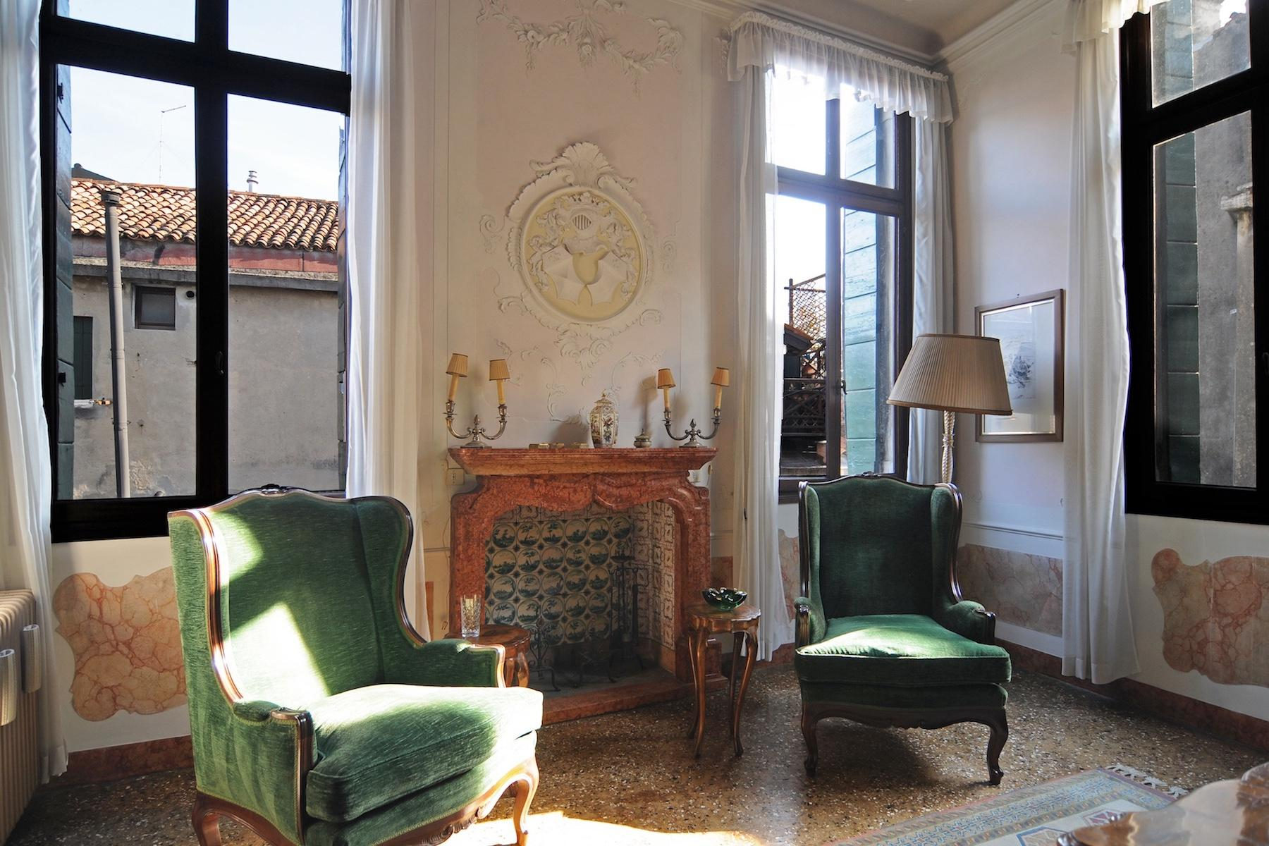 Elegante Piano Nobile con terrazzo a San Giacomo dell'Orio - 4