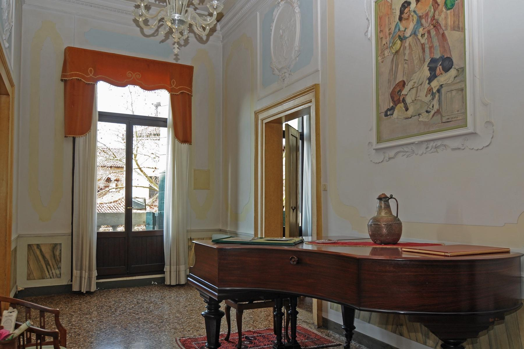 Elegant piano nobile with terrace Santa Croce - 8