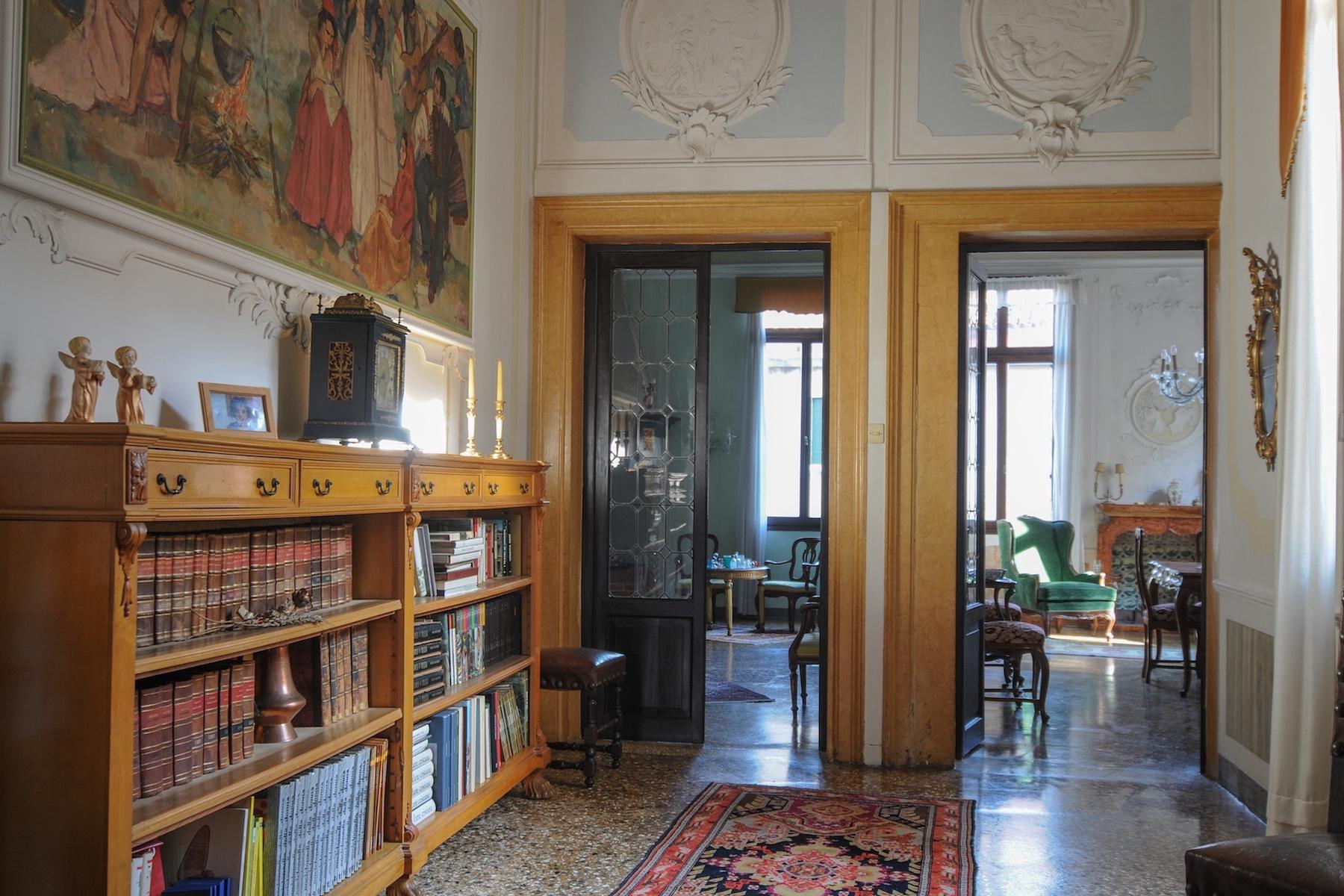 Elegante erste Etage mit Terrasse in Santa Croce - 9
