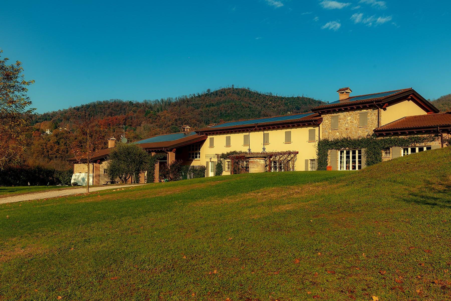 Stunning farmhouse within the Regional Park of the Euganean Hills - 9
