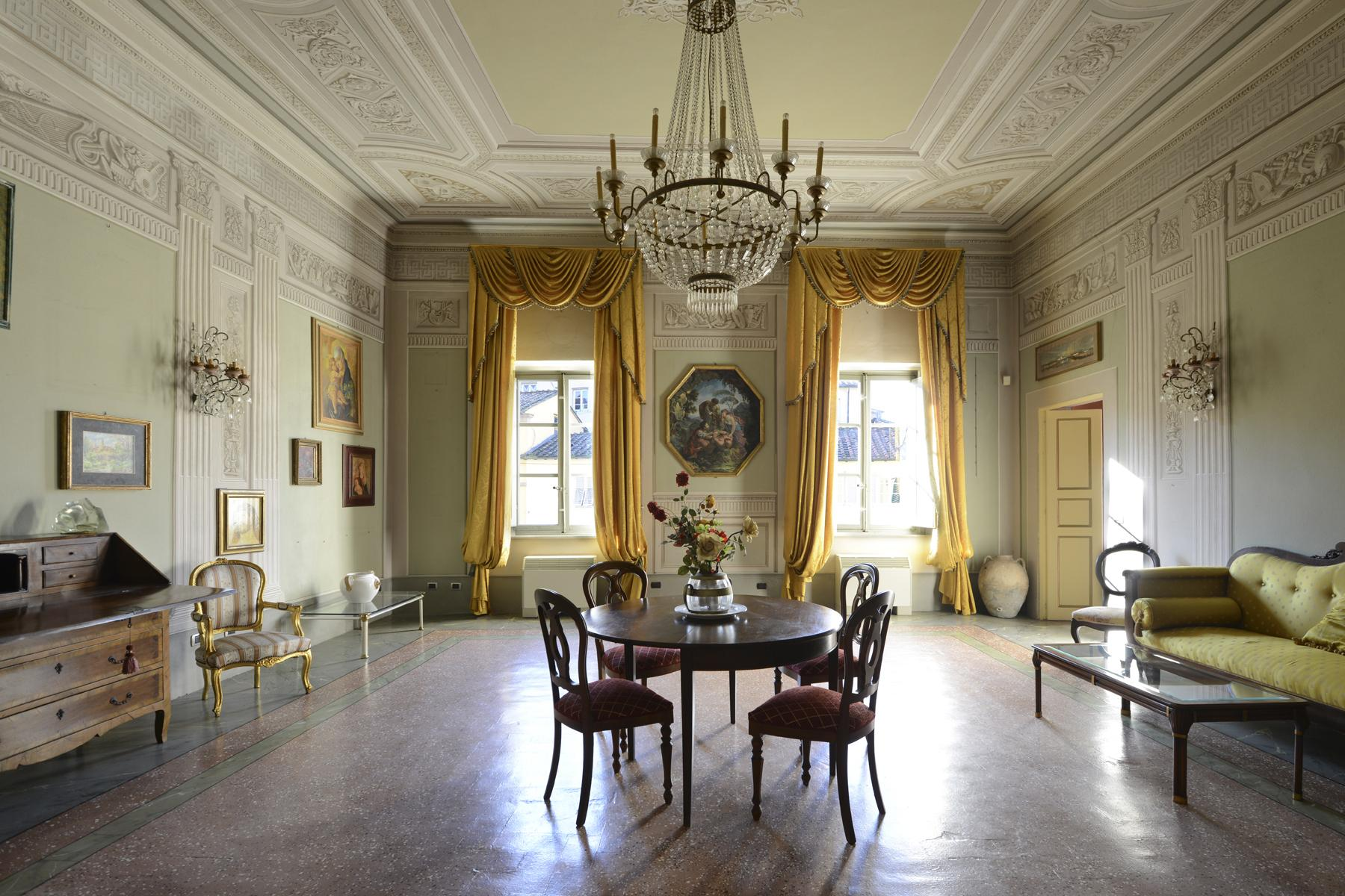 Refined apartment in the center of Lucca - 1