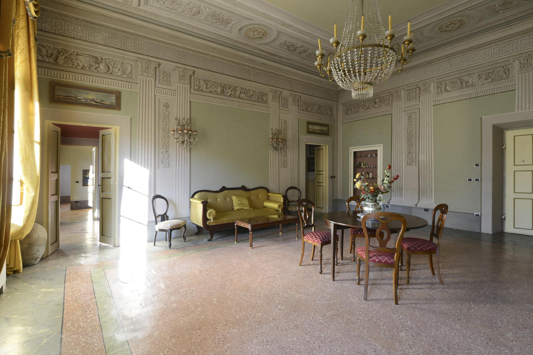 Refined apartment in the center of Lucca - 3