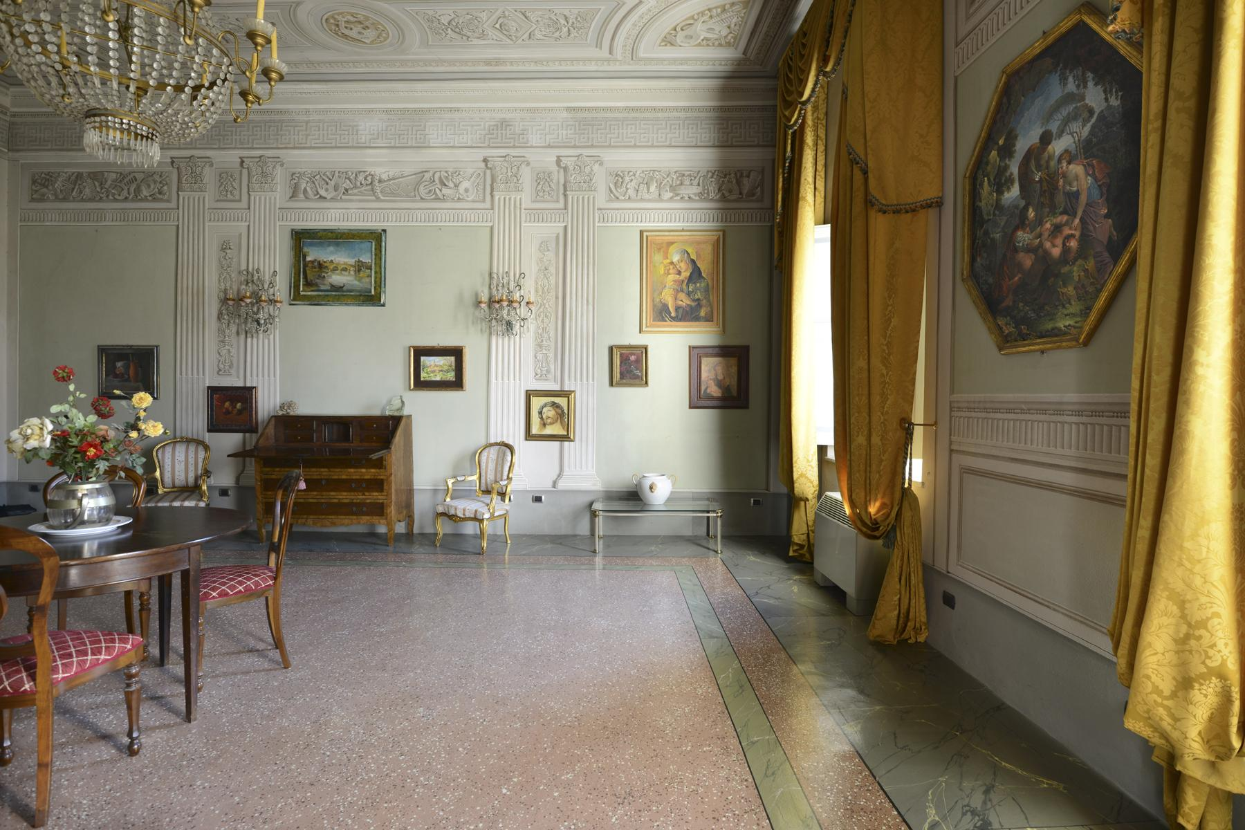 Refined apartment in the center of Lucca - 16