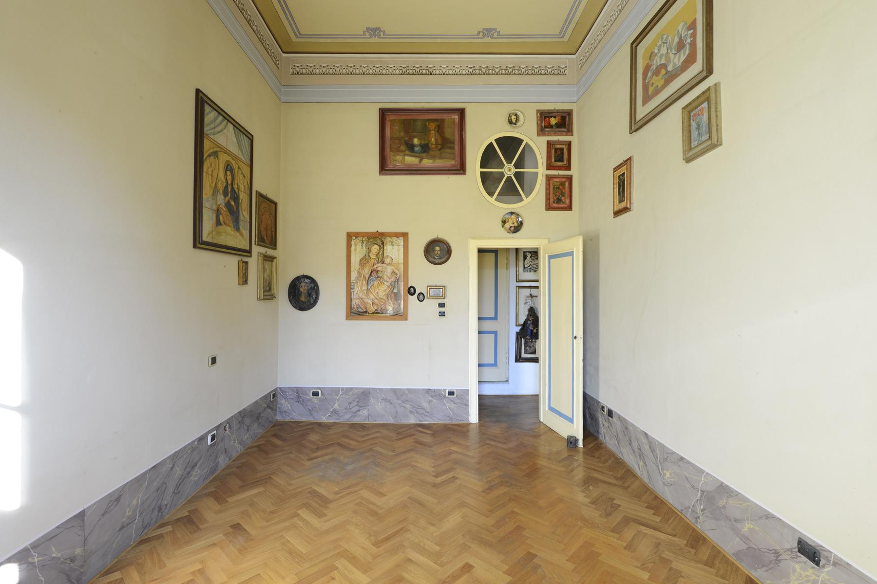 Refined apartment in the center of Lucca - 23