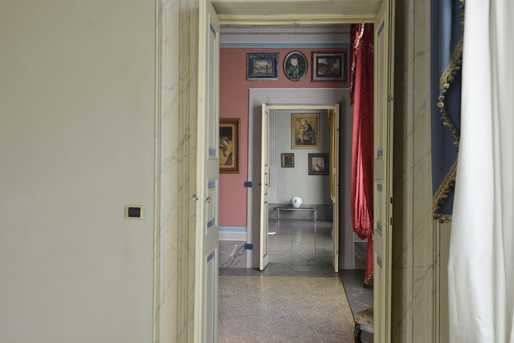 Refined apartment in the center of Lucca - 14