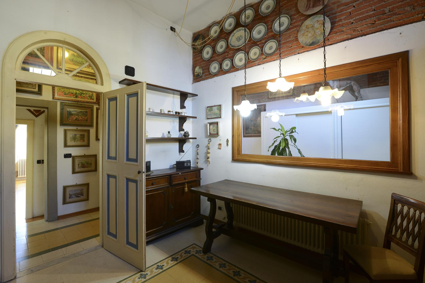 Refined apartment in the center of Lucca - 17