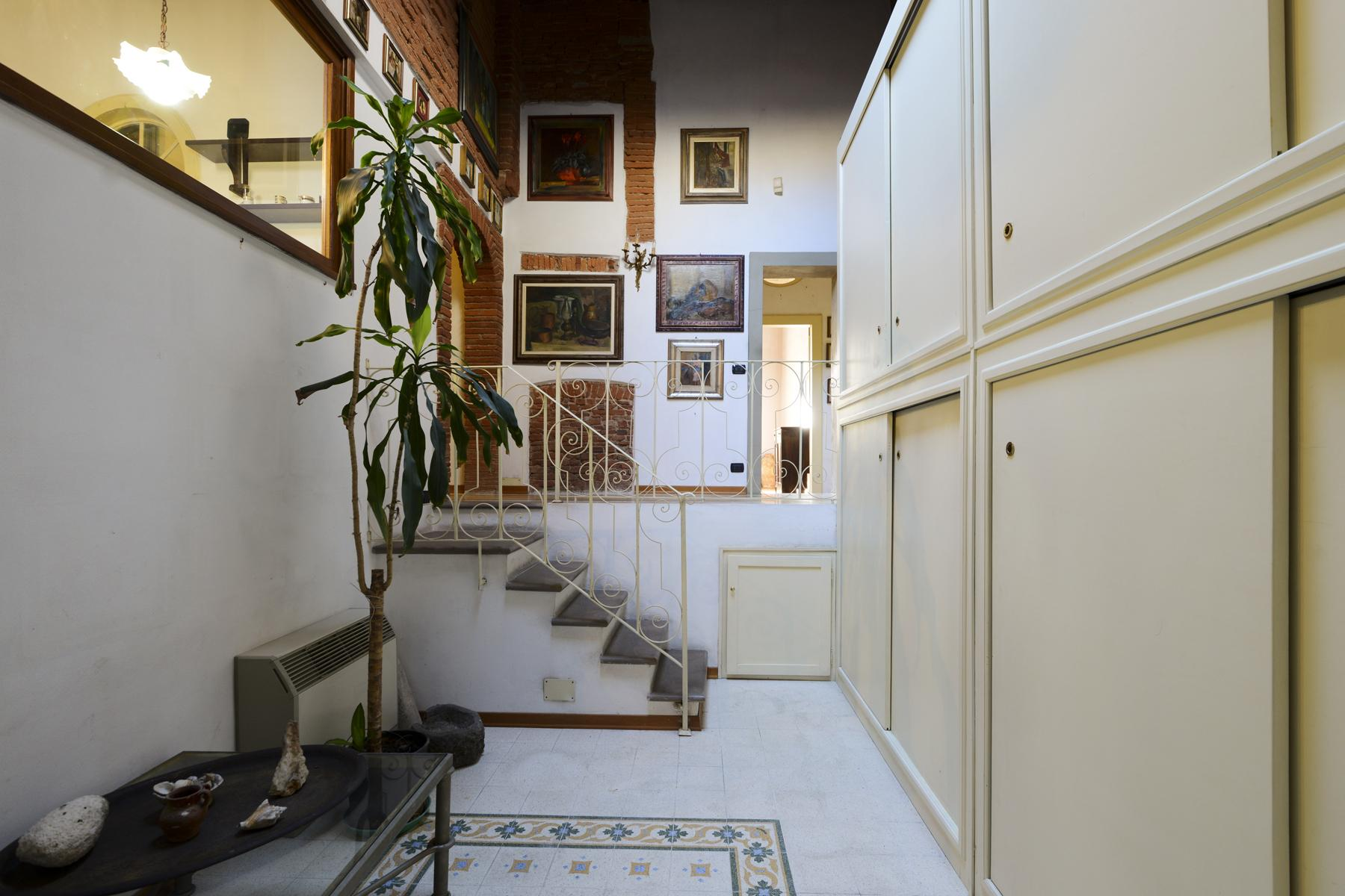 Refined apartment in the center of Lucca - 20