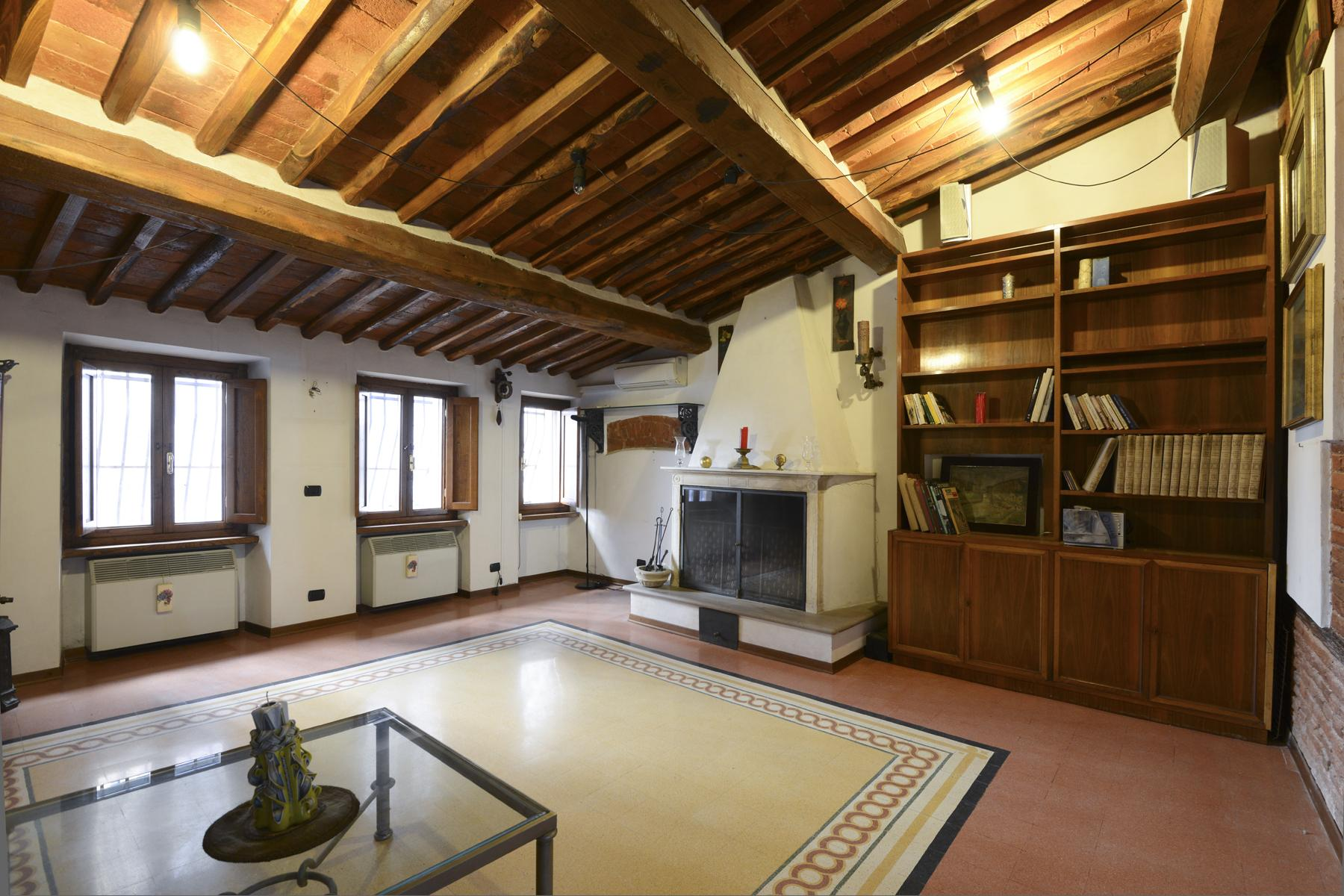 Refined apartment in the center of Lucca - 15
