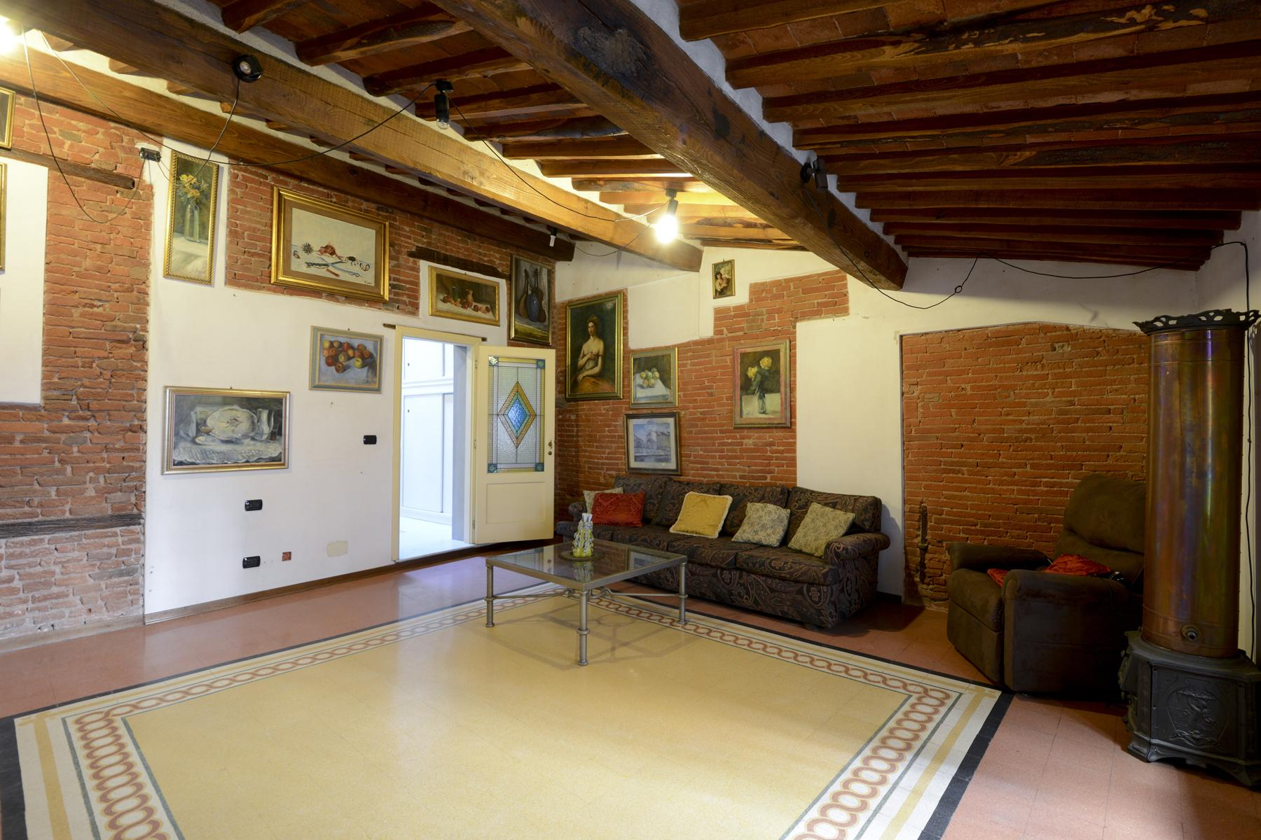 Refined apartment in the center of Lucca - 6