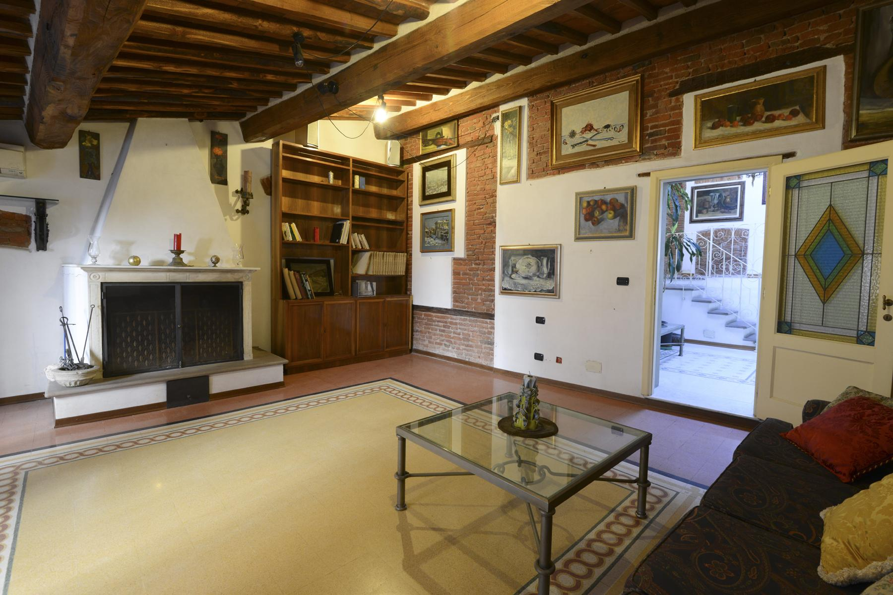 Refined apartment in the center of Lucca - 7