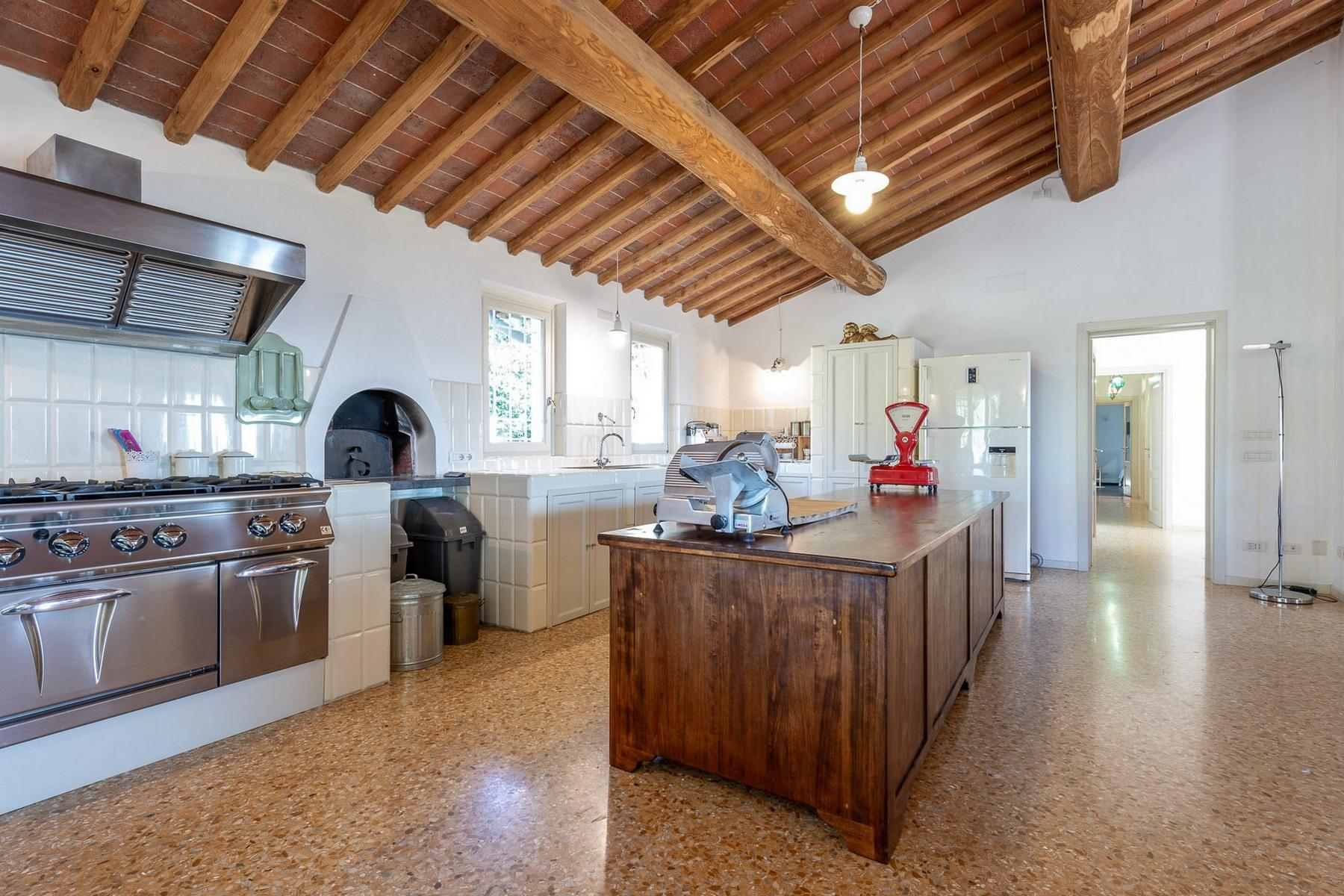 Superb villa with pool on the hills of Lucca - 7