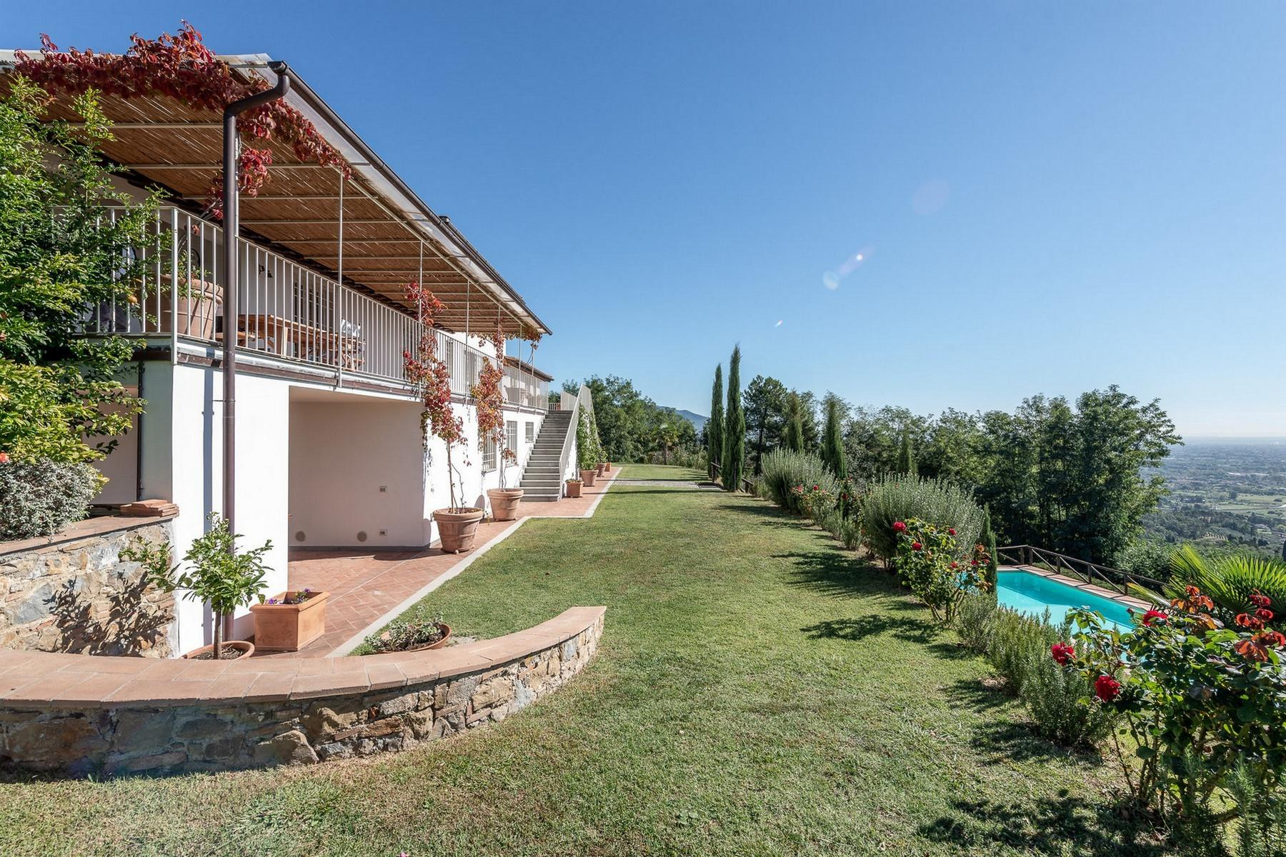 Superb villa with pool on the hills of Lucca - 2