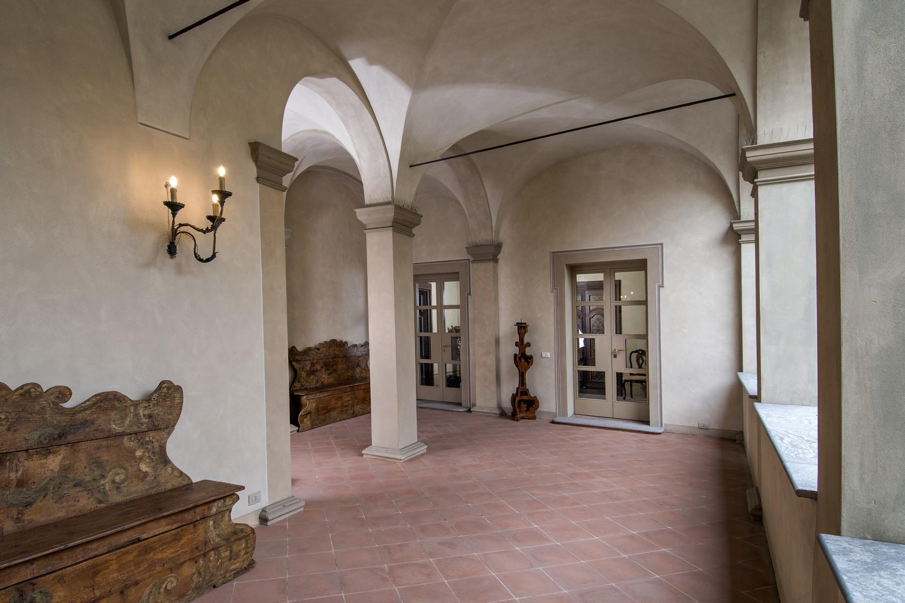 Magnificent historic palace in the heart of Reggio Emilia - 19