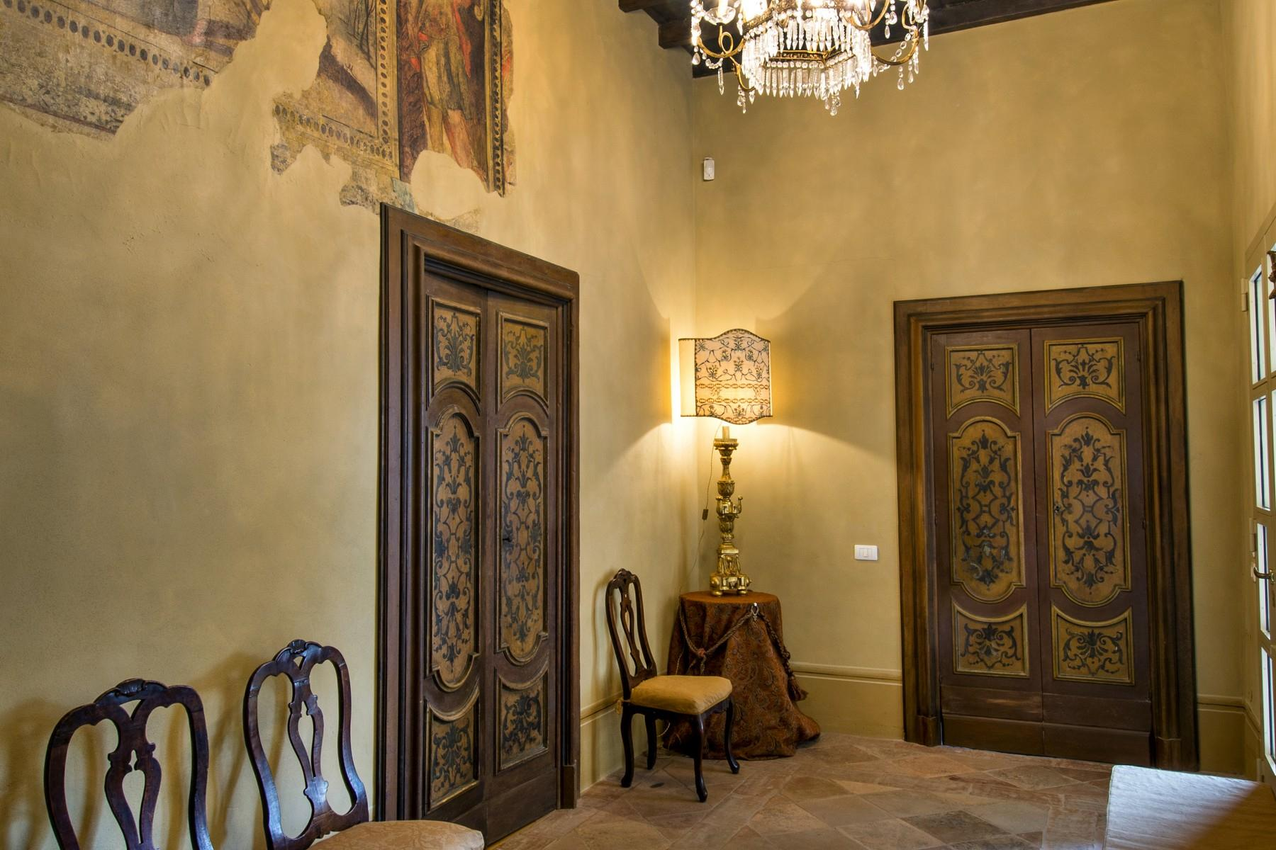 Magnificent historic palace in the heart of Reggio Emilia - 16