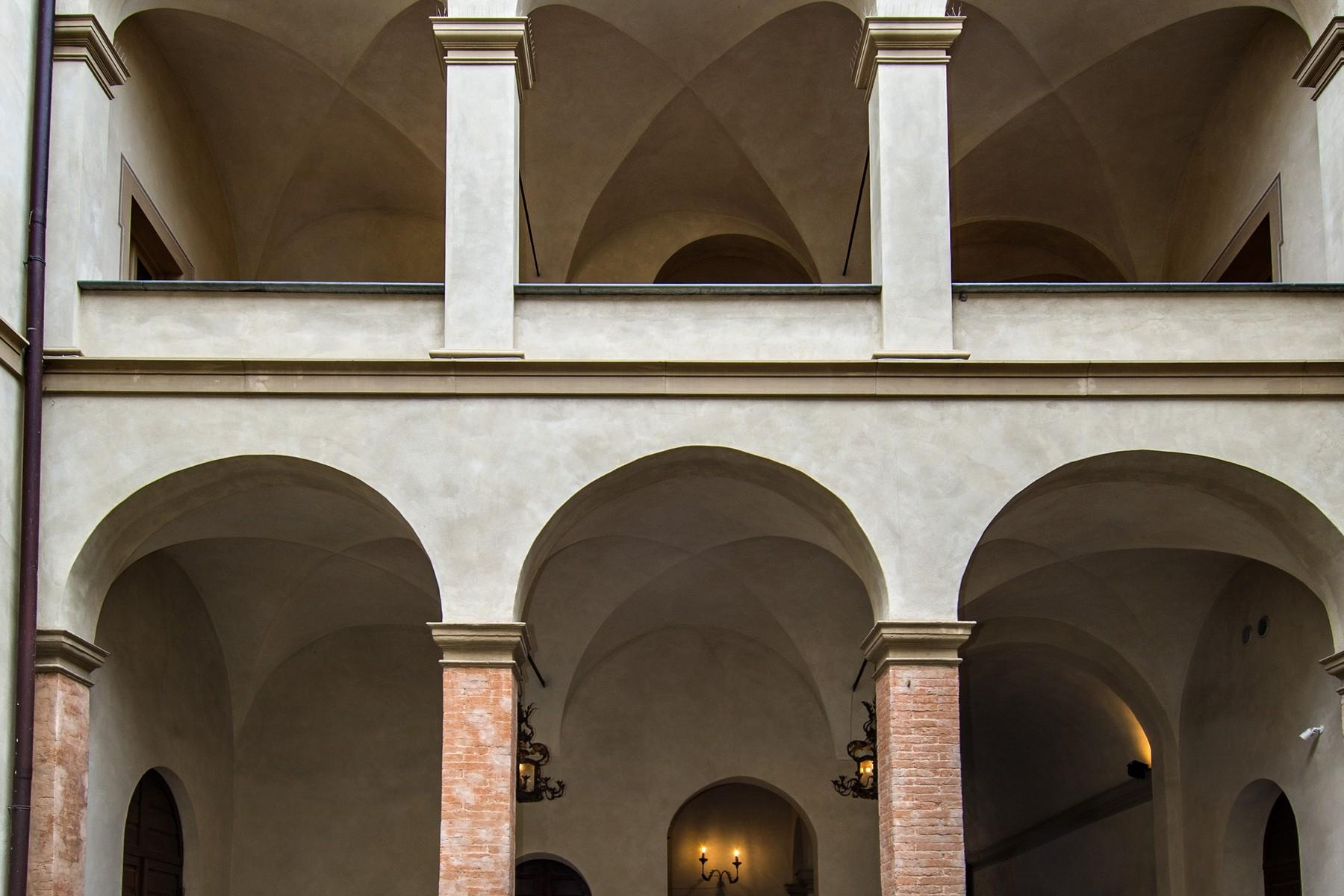 Magnificent historic palace in the heart of Reggio Emilia - 18