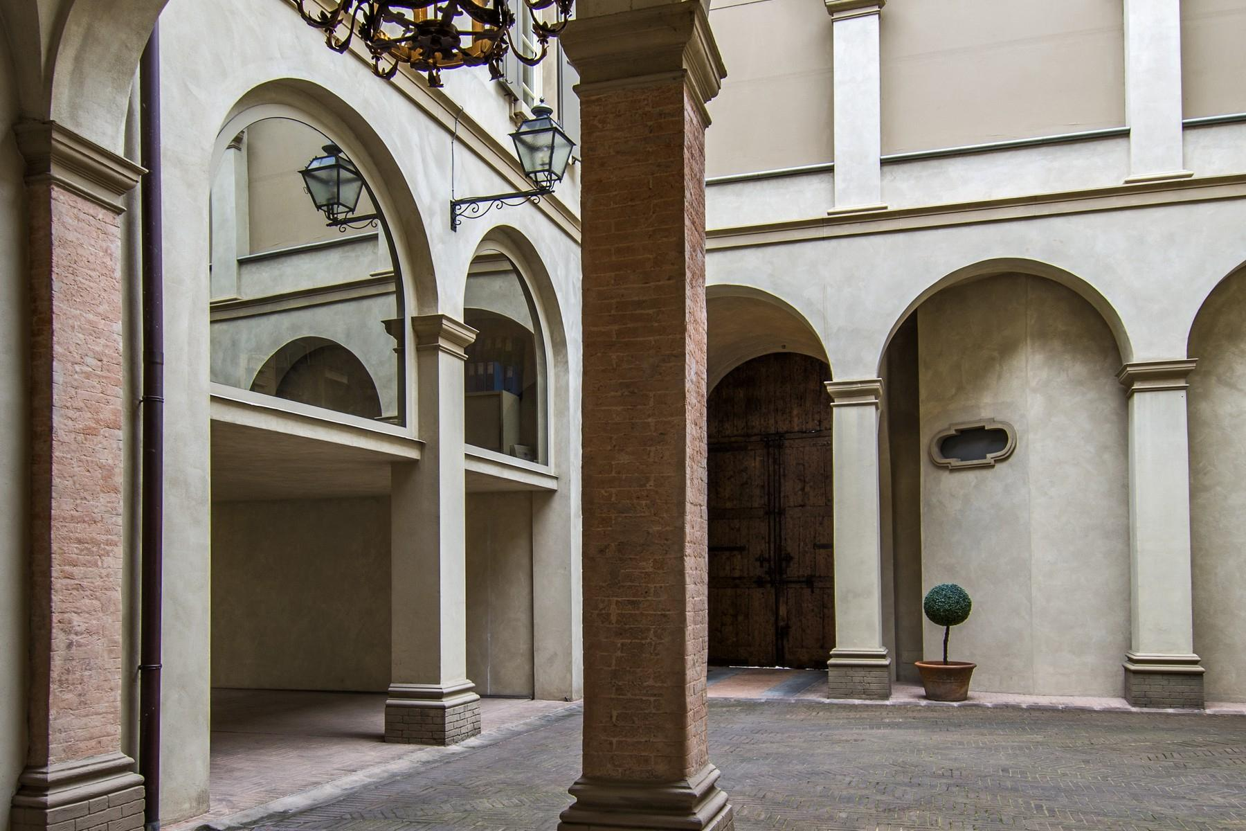 Magnificent historic palace in the heart of Reggio Emilia - 21