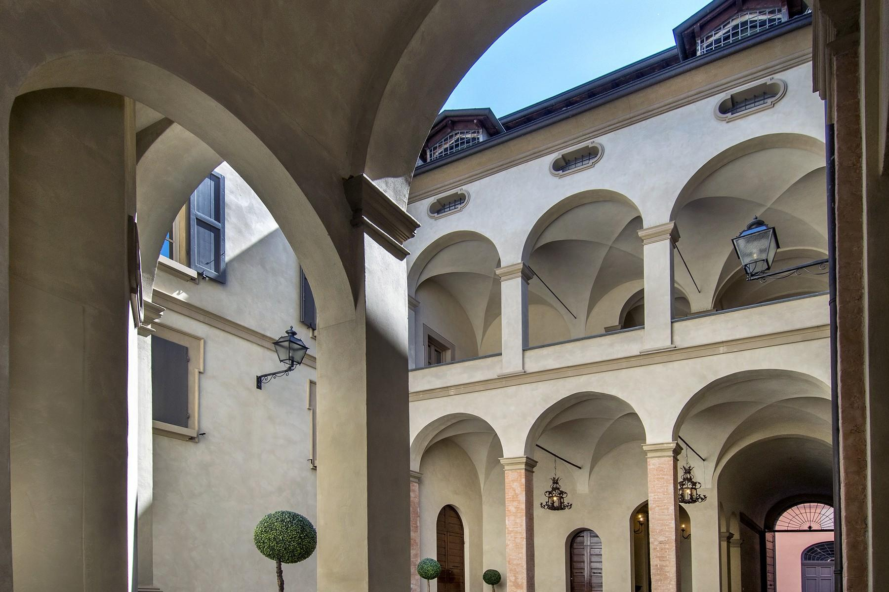 Magnificent historic palace in the heart of Reggio Emilia - 22