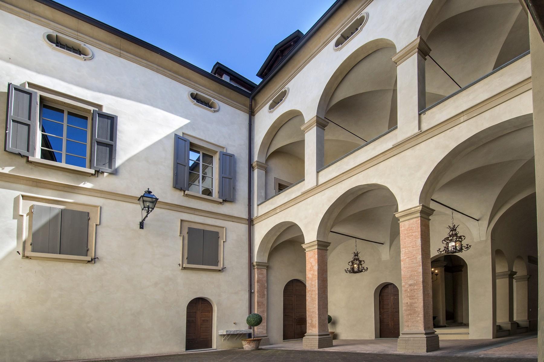 Herrlicher Palast im Reggio Emilia Stadtzentrum - 23