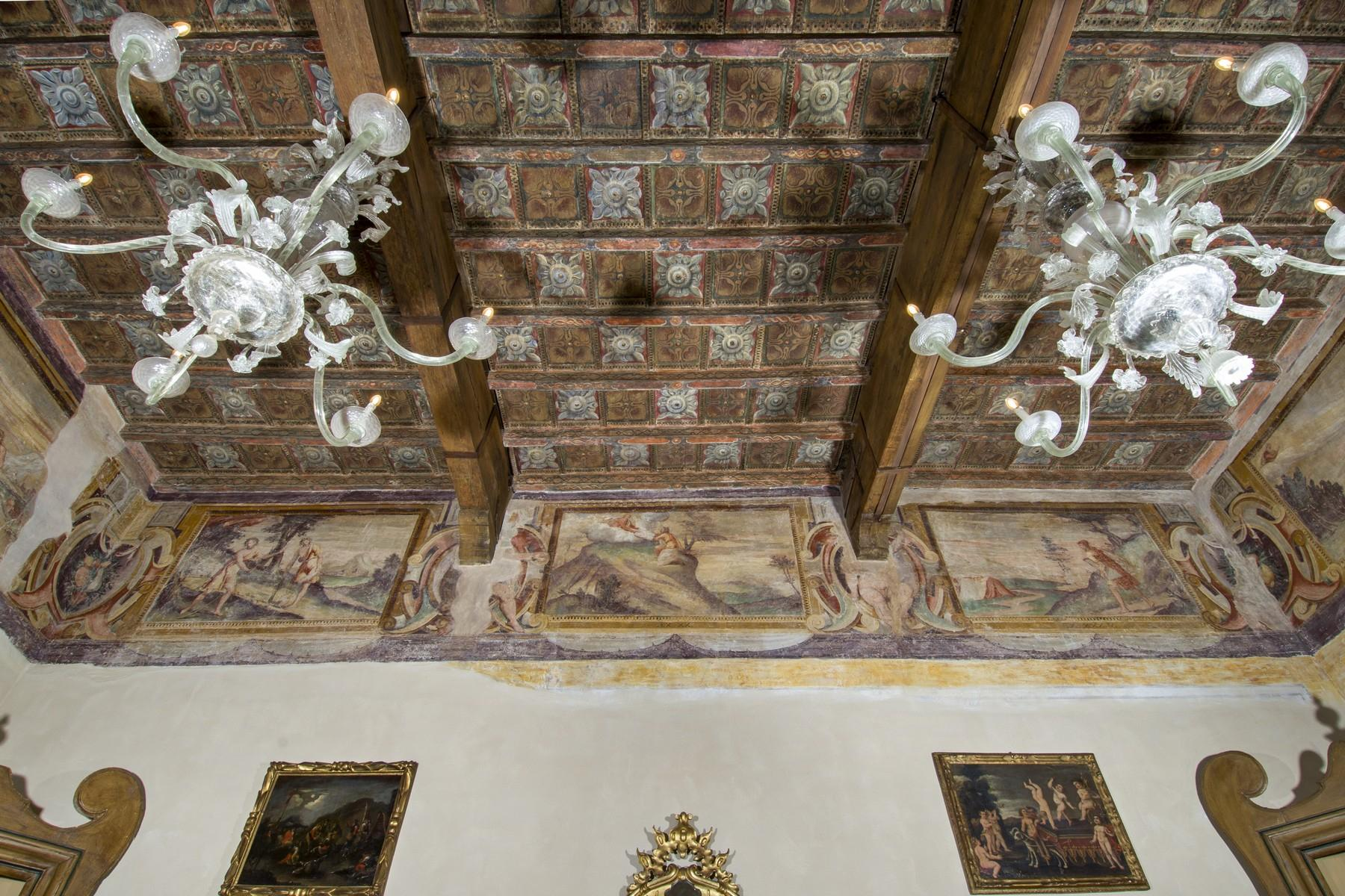 Magnificent historic palace in the heart of Reggio Emilia - 5