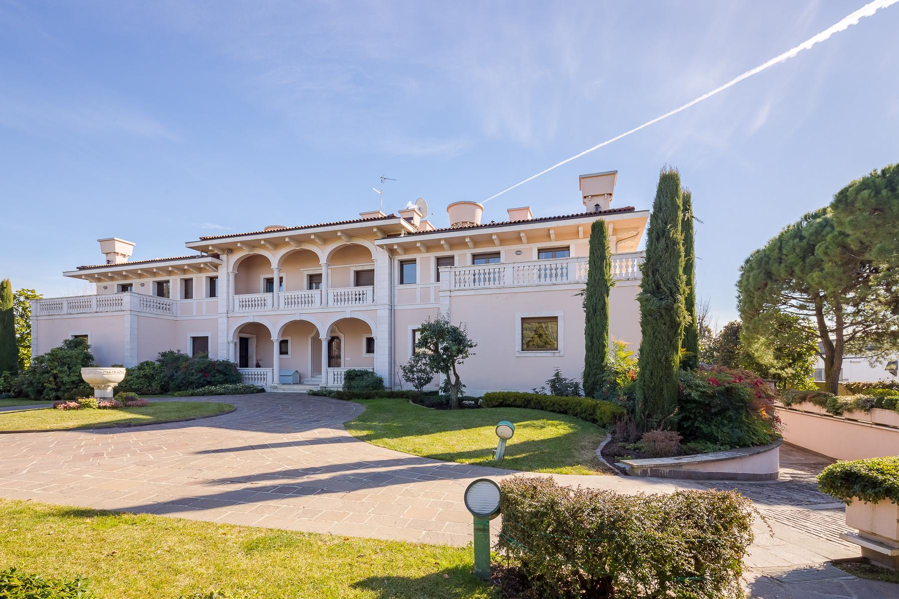Wonderful villa with park between Bergamo and Milan - 14