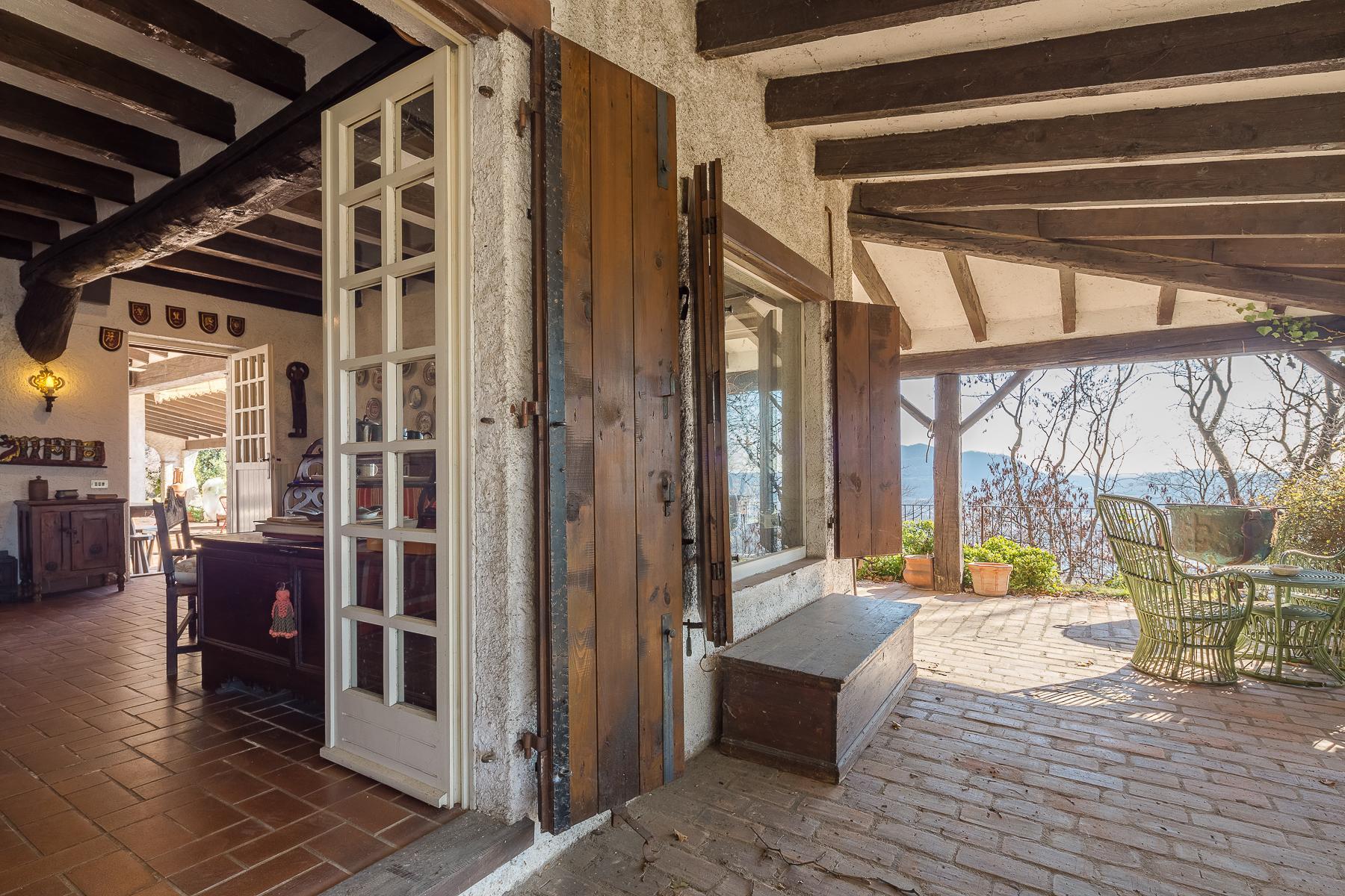 Bella villa con giardino e vista mozzafiato - 11