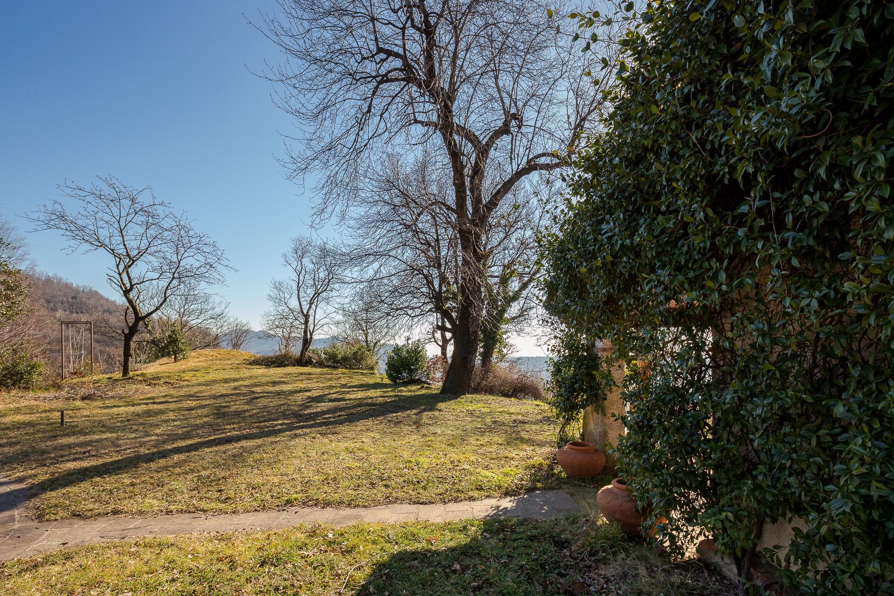 Bella villa con giardino e vista mozzafiato - 16