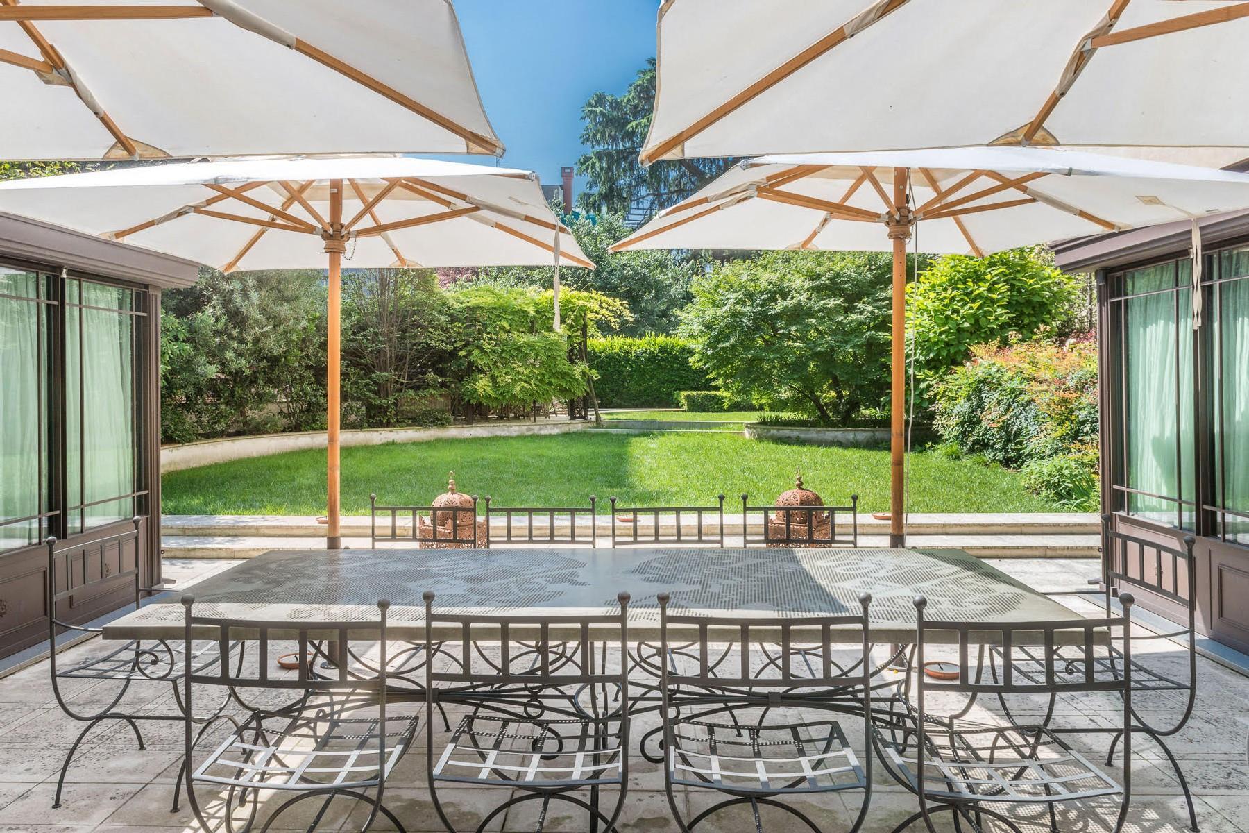 拥有私人花园和按摩浴缸,950平方米精美的公寓 - 1