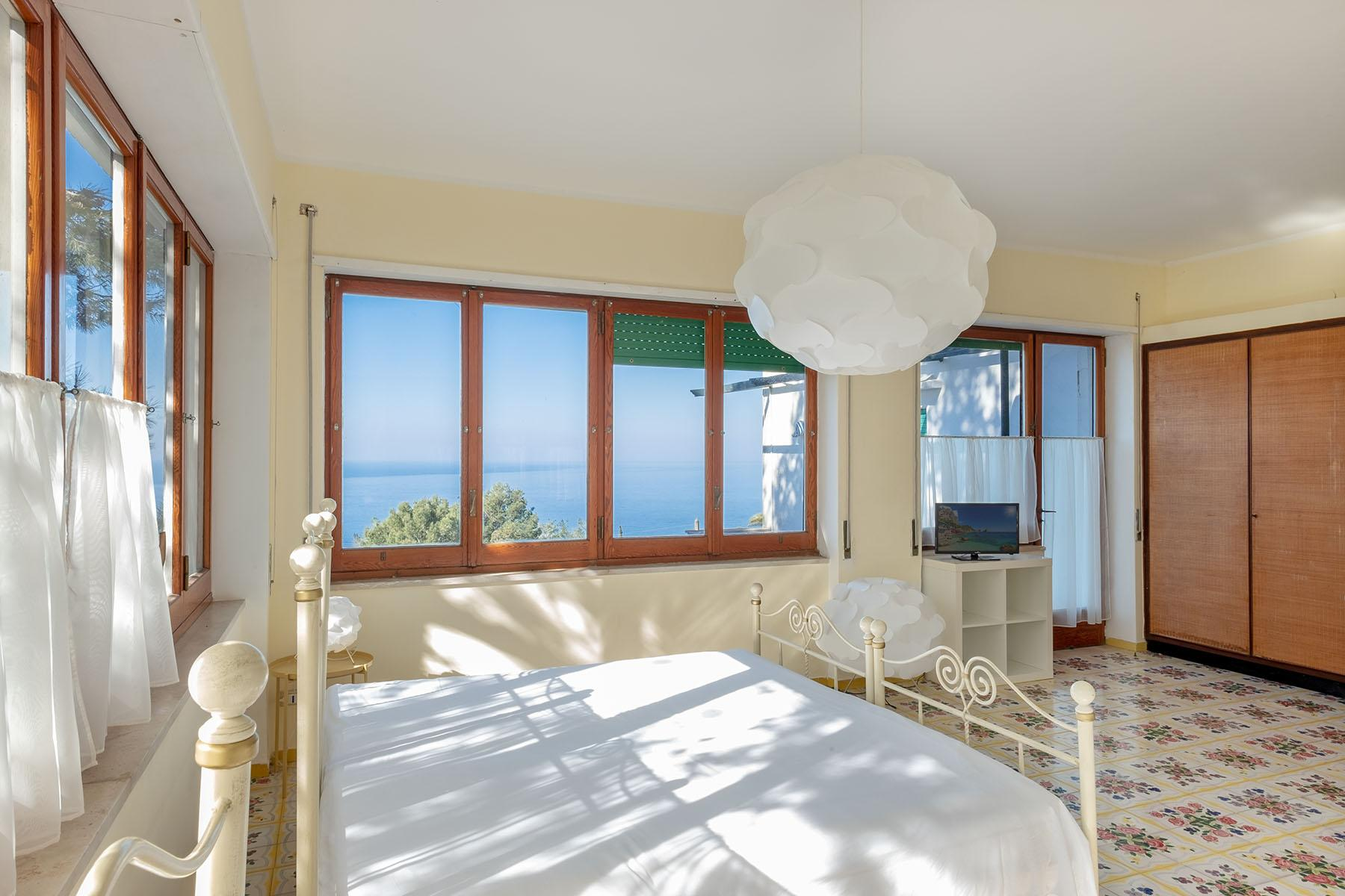 Wonderful villa with garden and seaview in Anacapri - 11