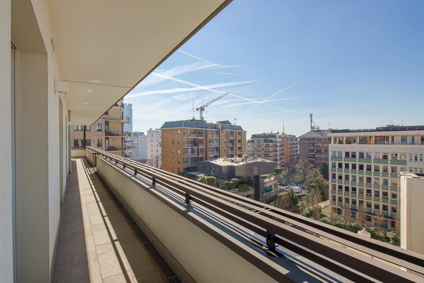 Prestigious penthouse of 320 sqm with terrace and beautiful 360° view - 14