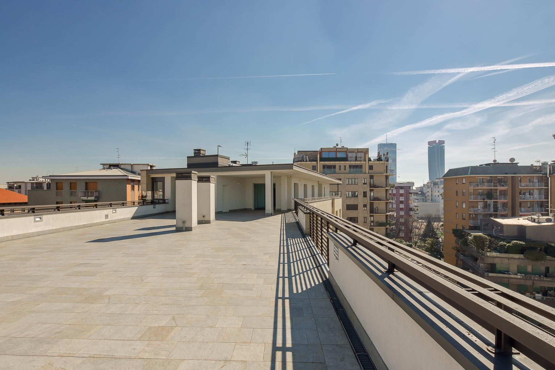 Prestigious penthouse of 320 sqm with terrace and beautiful 360° view - 11