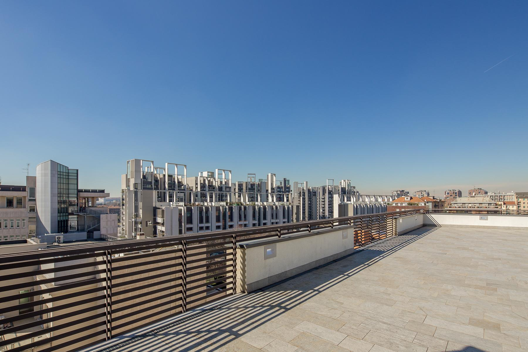 Prestigious penthouse of 320 sqm with terrace and beautiful 360° view - 17
