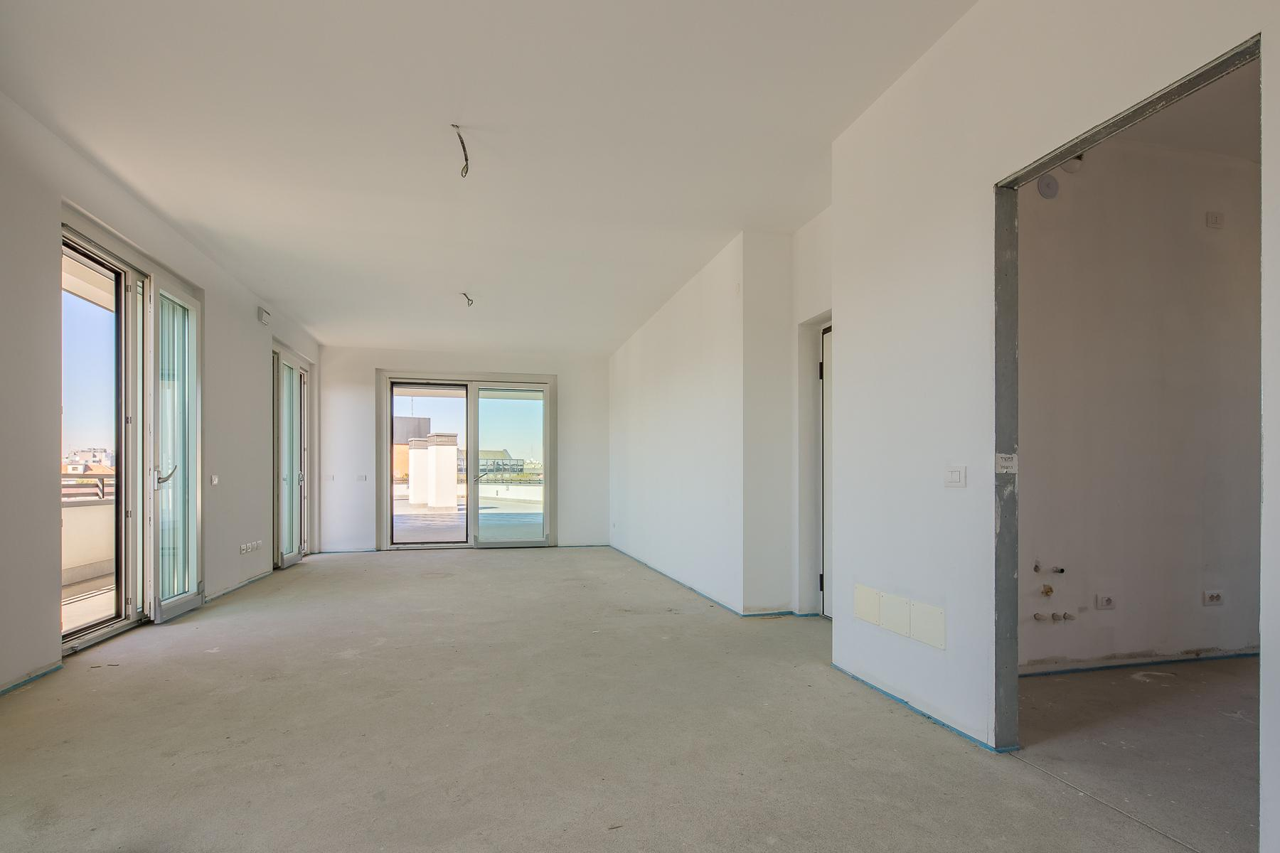 Prestigious penthouse of 320 sqm with terrace and beautiful 360° view - 24