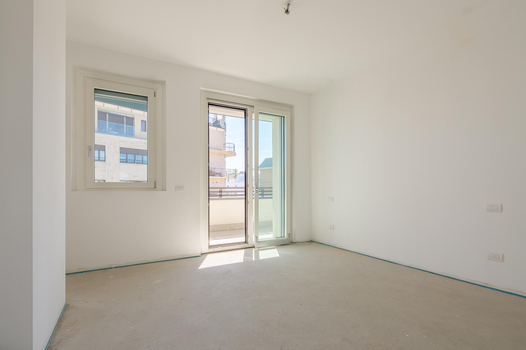 Prestigious penthouse of 320 sqm with terrace and beautiful 360° view - 26