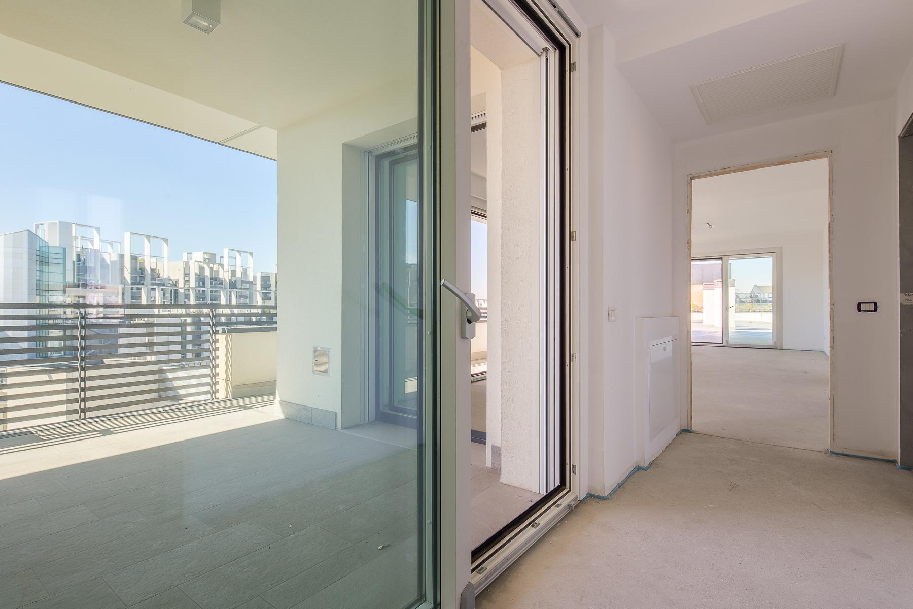 Prestigious penthouse of 320 sqm with terrace and beautiful 360° view - 10