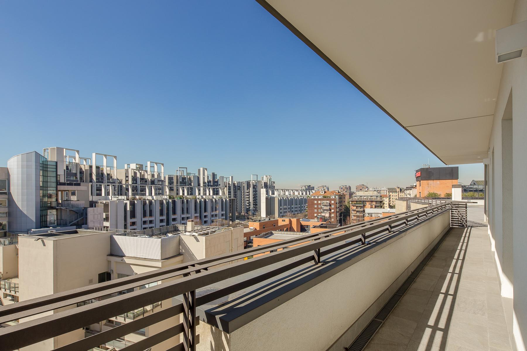 Prestigious penthouse of 320 sqm with terrace and beautiful 360° view - 35