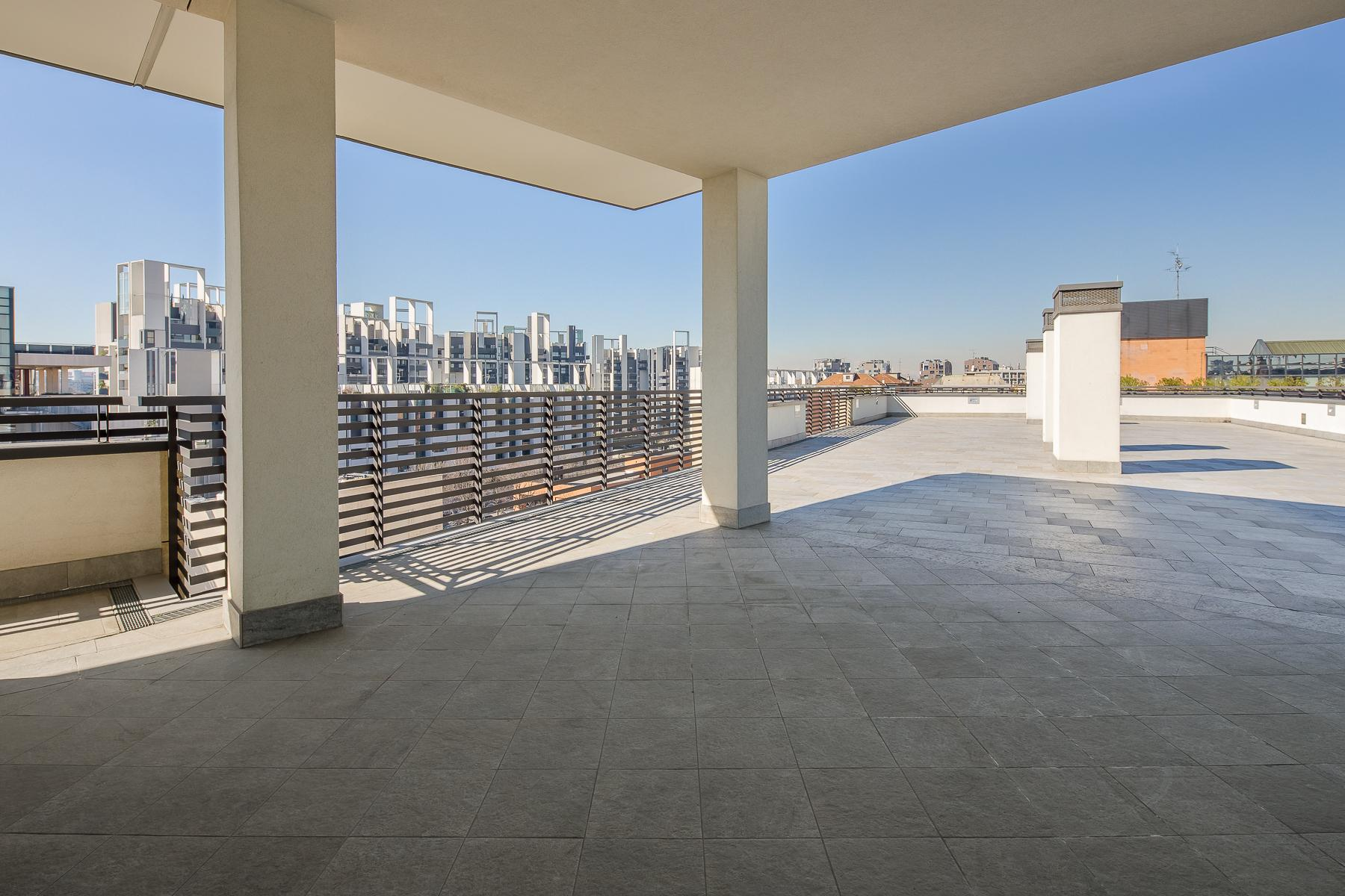 Prestigious penthouse of 320 sqm with terrace and beautiful 360° view - 20