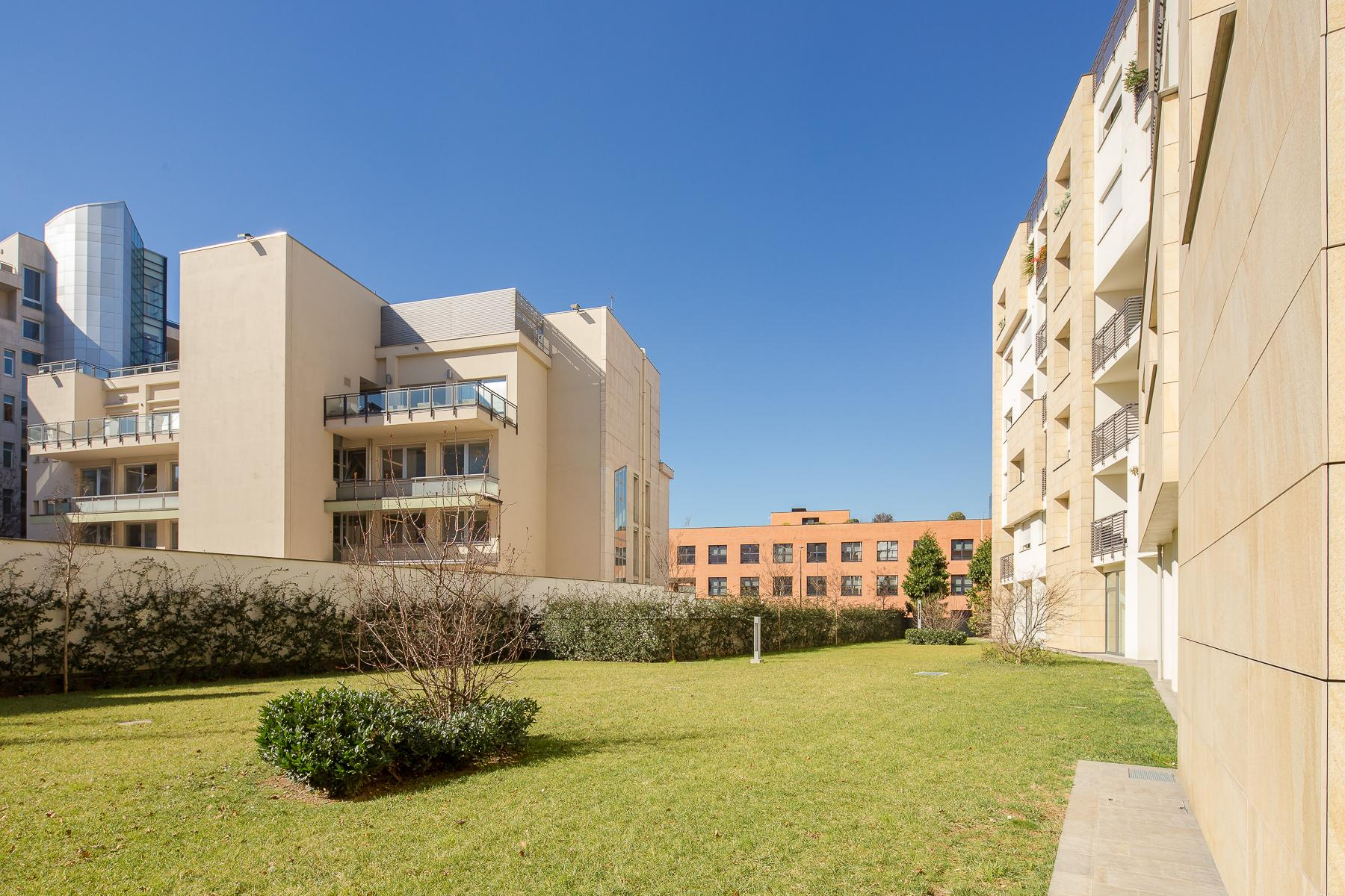 Prestigious penthouse of 320 sqm with terrace and beautiful 360° view - 13